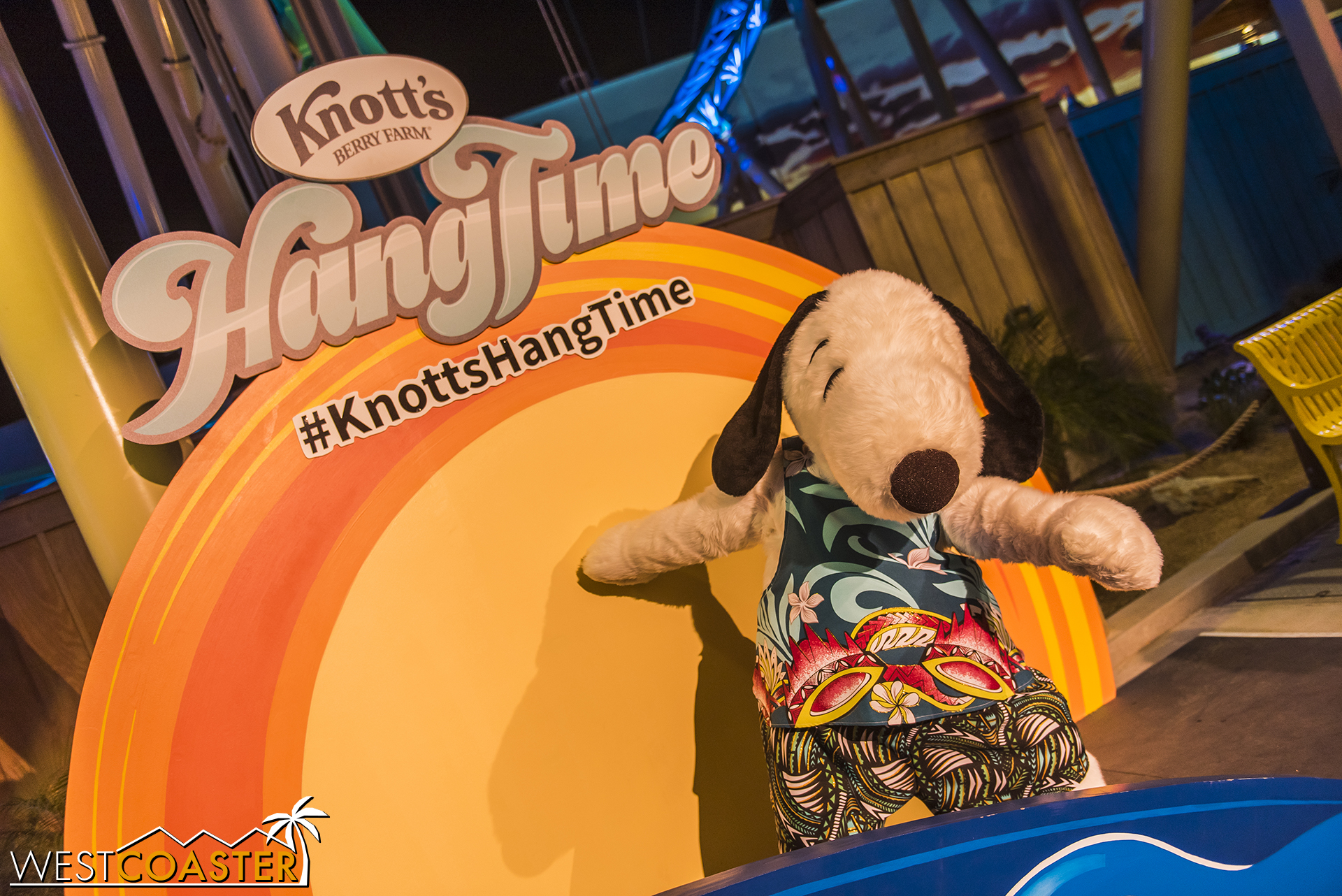 Throughout the night, Snoopy would show up for photo ops.