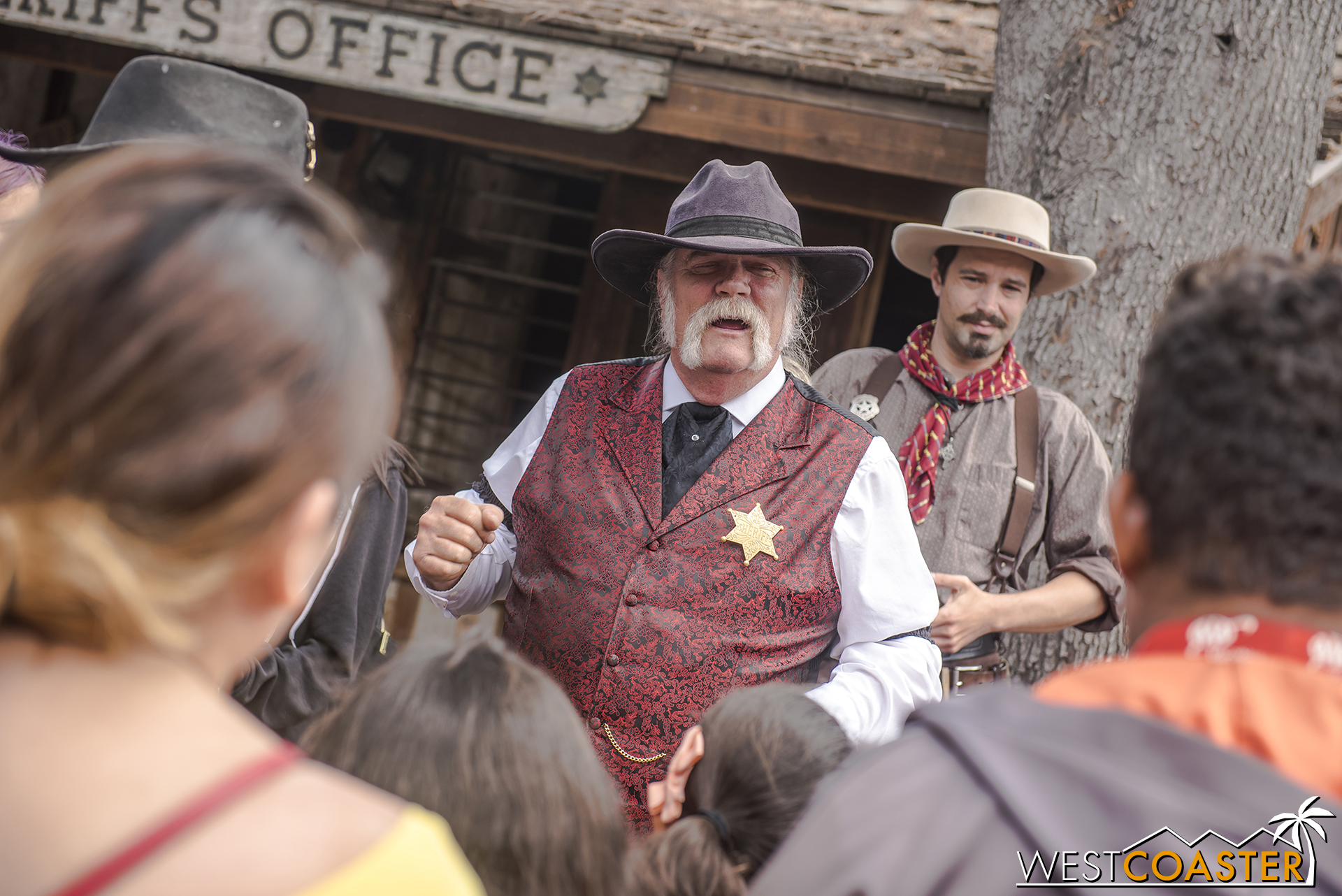 To apprehend the perpetrators, the Sheriff rounds up a posse at 2:30.