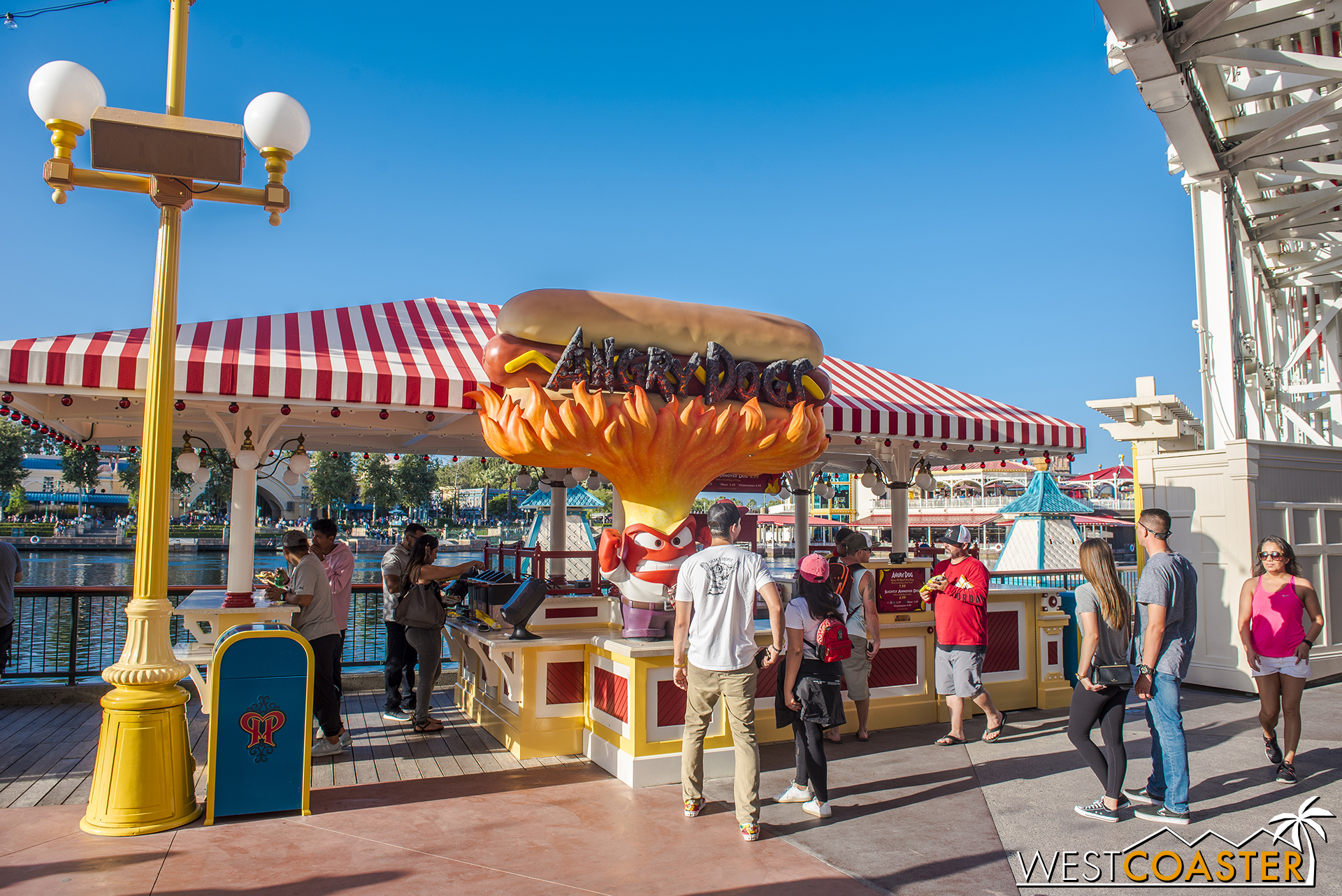 The cartoonish look of stands like this stands as a stark contrast to the refined looked of everything else—more of the Coney Island look of Paradise Pier 1.0.