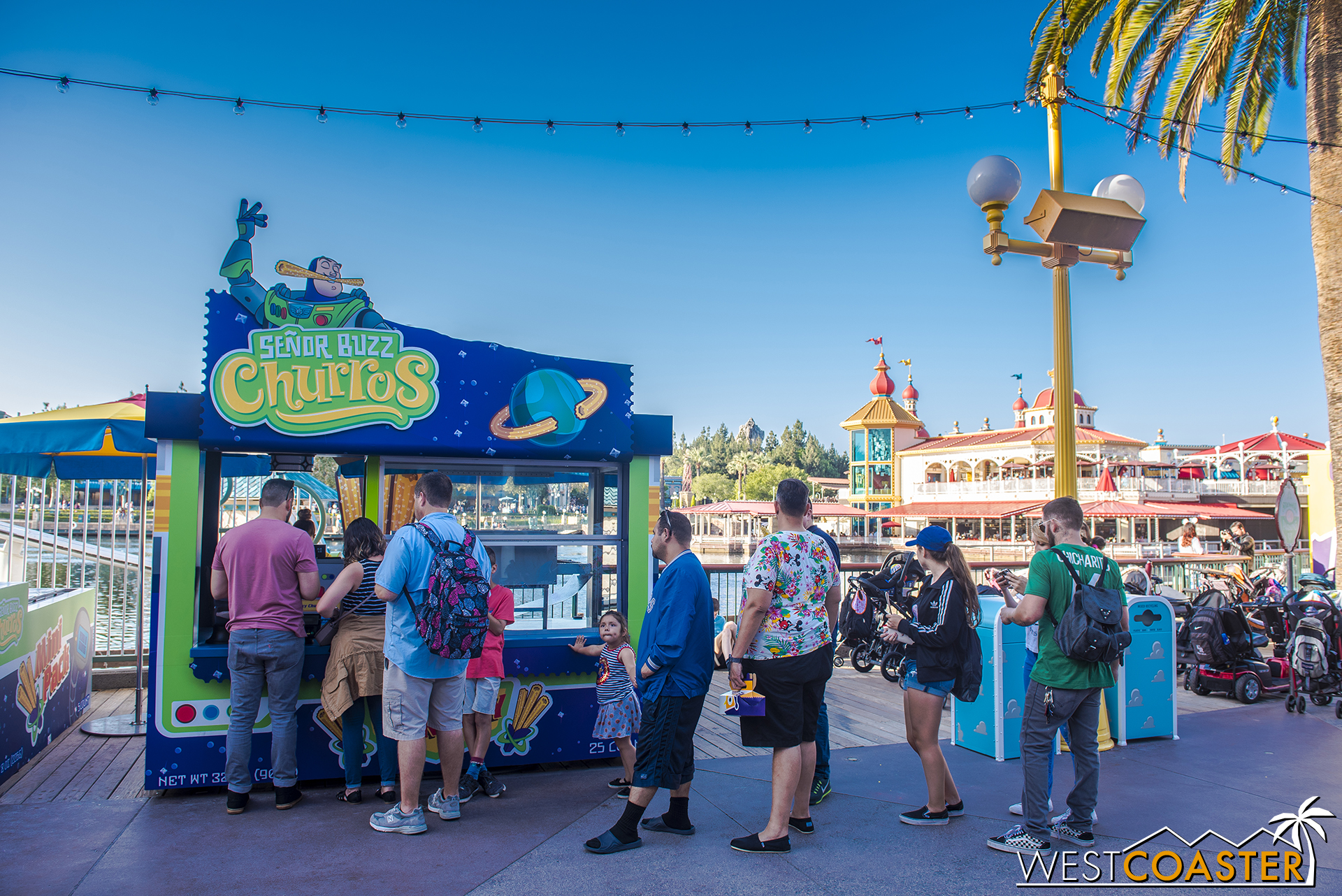 Also, guests can get churros.  Because it's Disney.  You gotta get a churro.