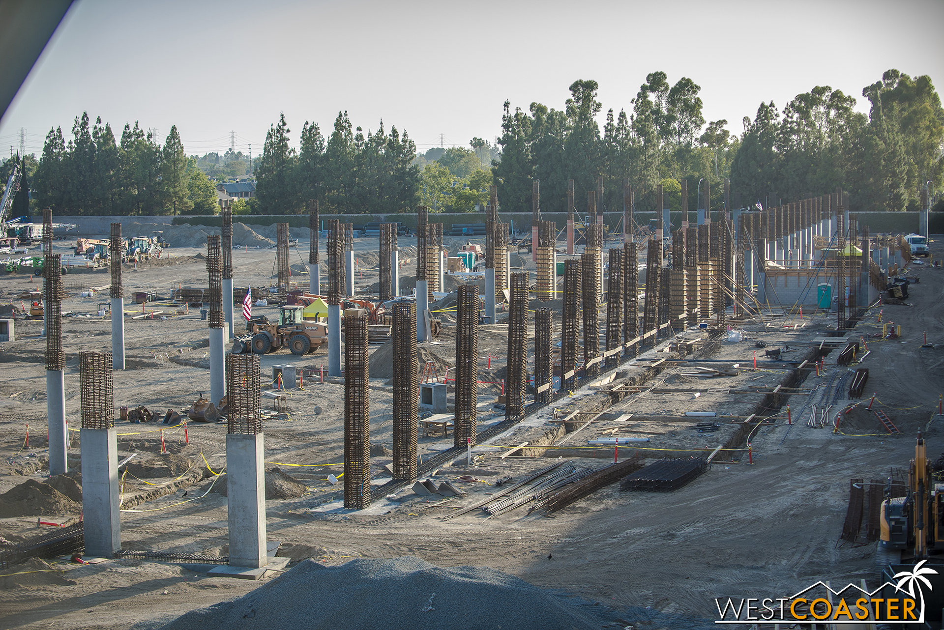 This will be the trend for a while.  Columns columns columns, and then they'll pour the deck for the level above, then more concrete columns being formed, then more deck.  Rinse and repeat and rise up, future parking structure!