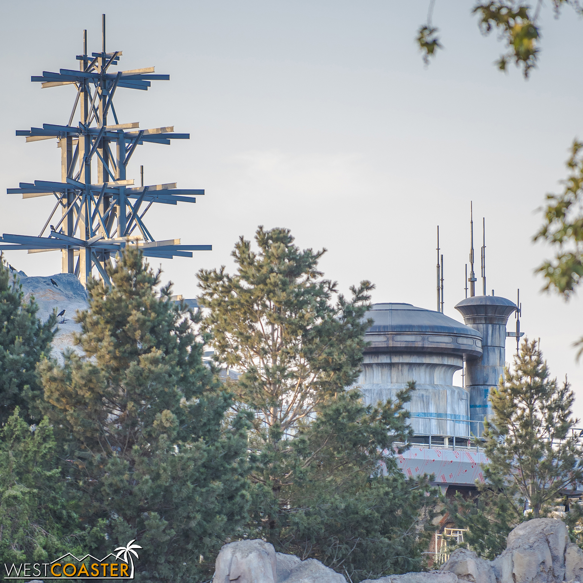A bit of the architecture of Batuu can be glimpsed along the River too.  A teaser, I suppose, though it does interrupt the Frontierland continuity in a way that the rest of the Batuu landscape does not really.