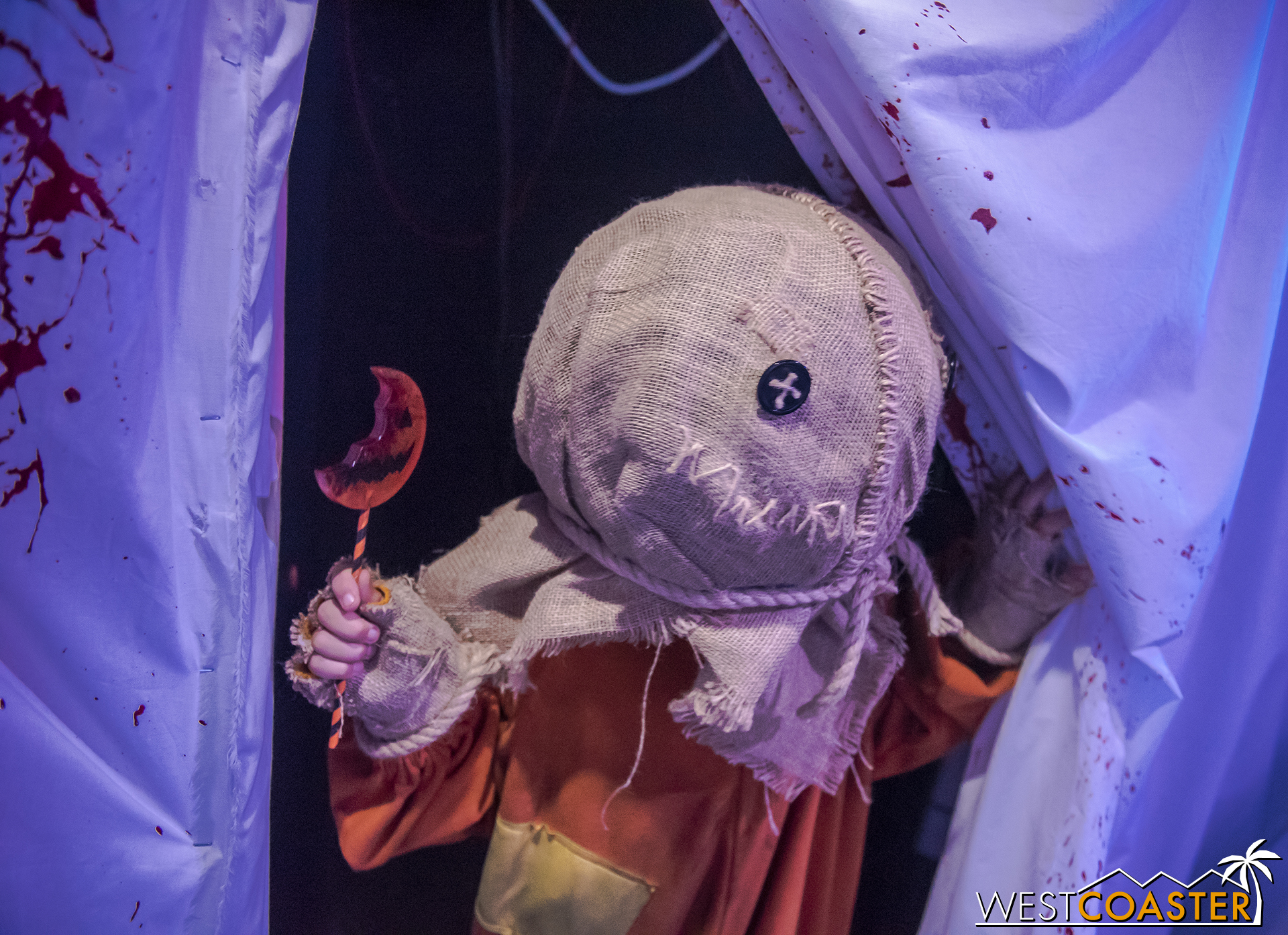 Murder House Production's Trick 'R Treat fan tribute maze was one of the highlights of the weekend.  And it provided guests who missed the one-weekend-only maze last year with a chance to see what they missed.