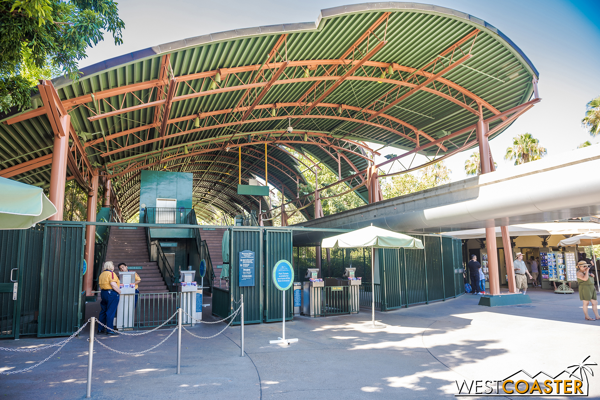 As a reader pointed out last time, the Downtown Disney monorail station did not actually close down for construction.  It was just down due to heat.  The station is still open normally.