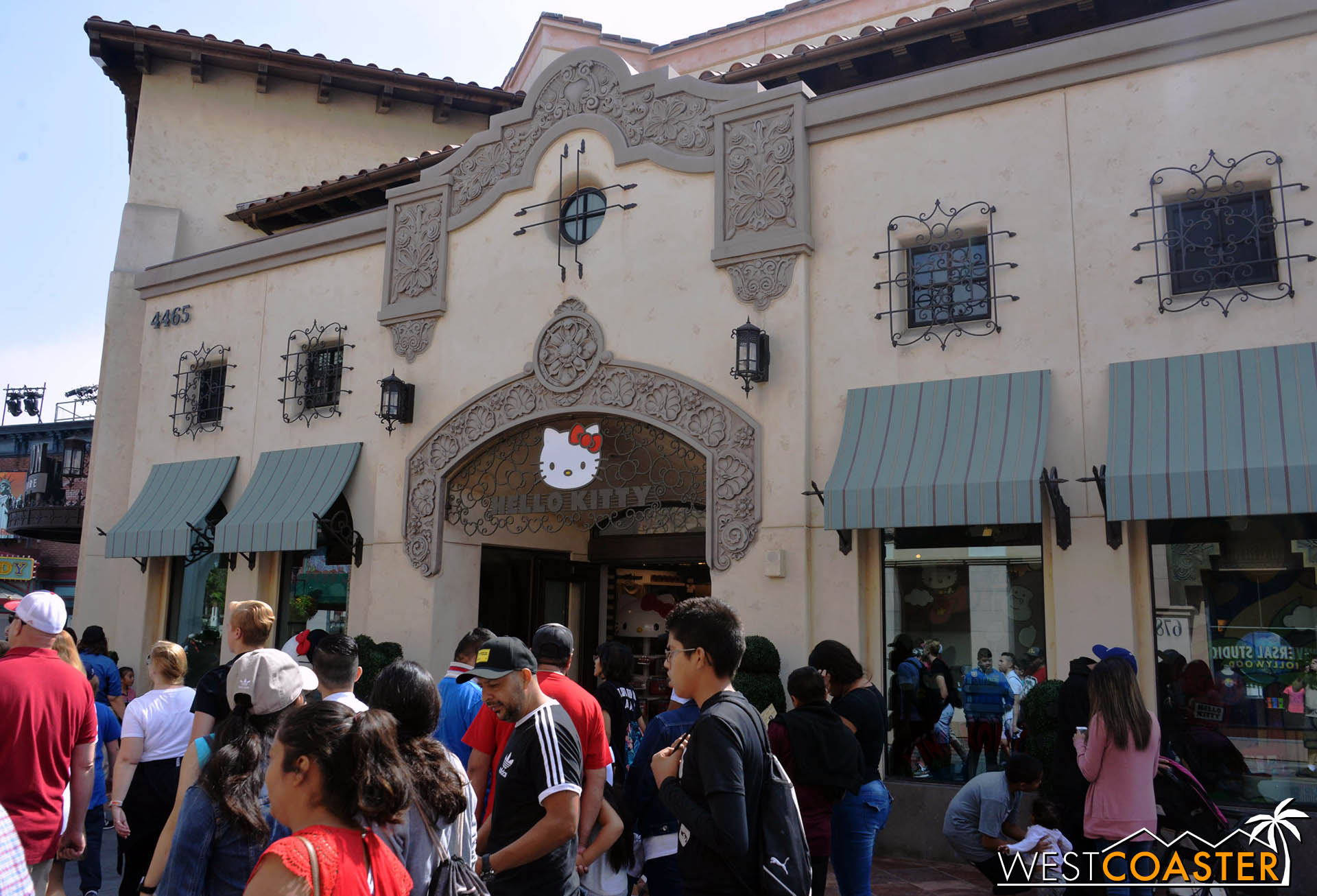 Apparently, Universal has gotten a Hello Kitty store.