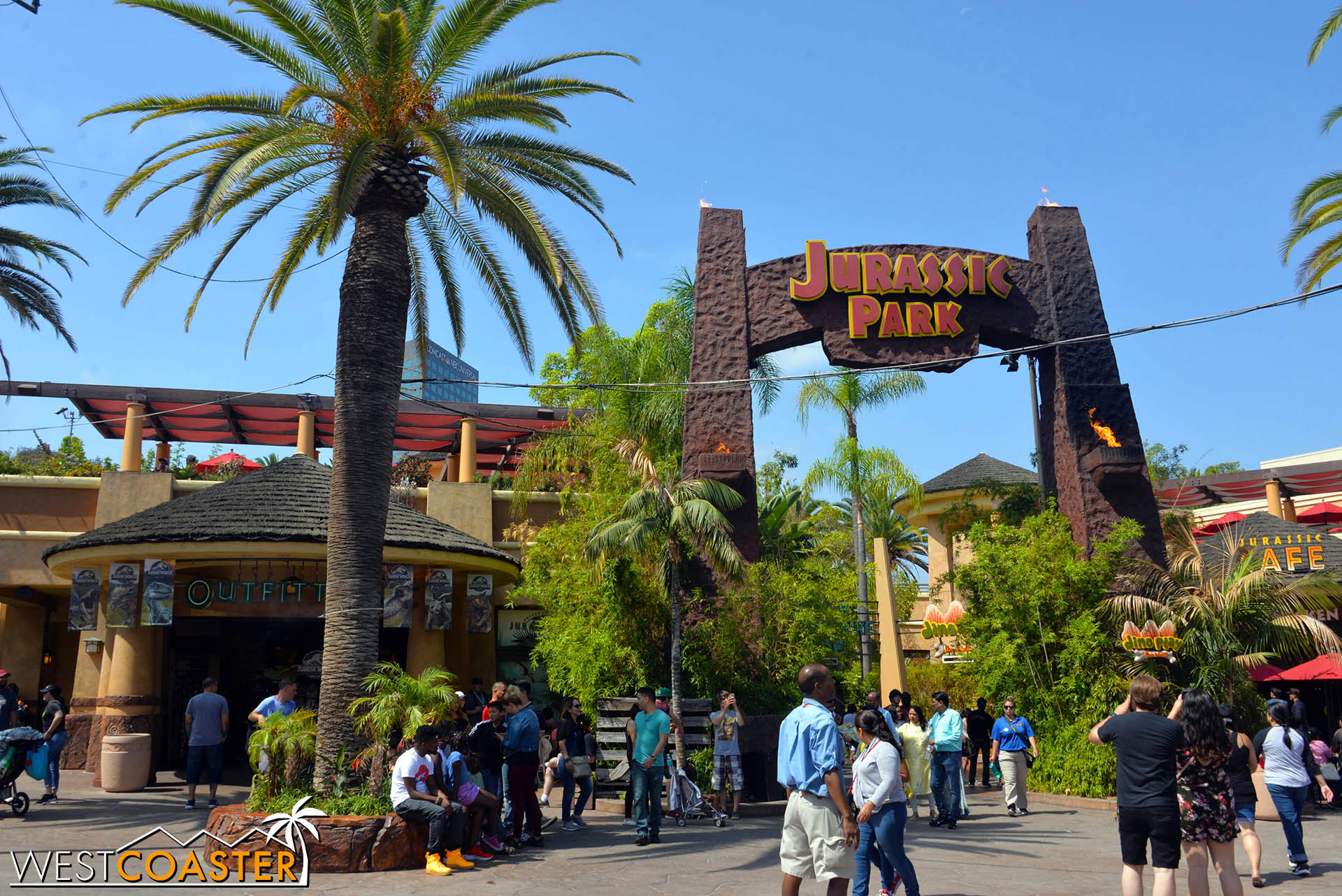 When this ride opened in 1996, it was one of the pinnacles of theming and cinema synergy.