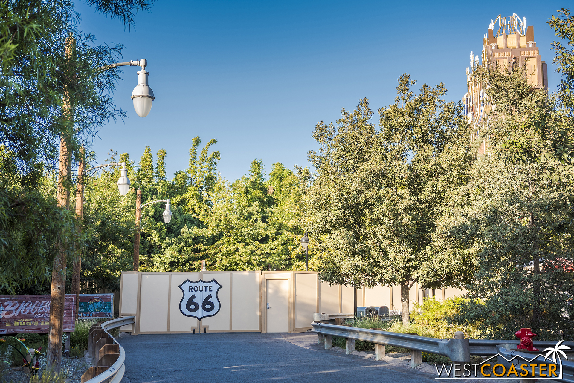Guess that means Route 66 ends here (and similarly on the other side with Hollywood Land's terminus by Guardians of the Galaxy).