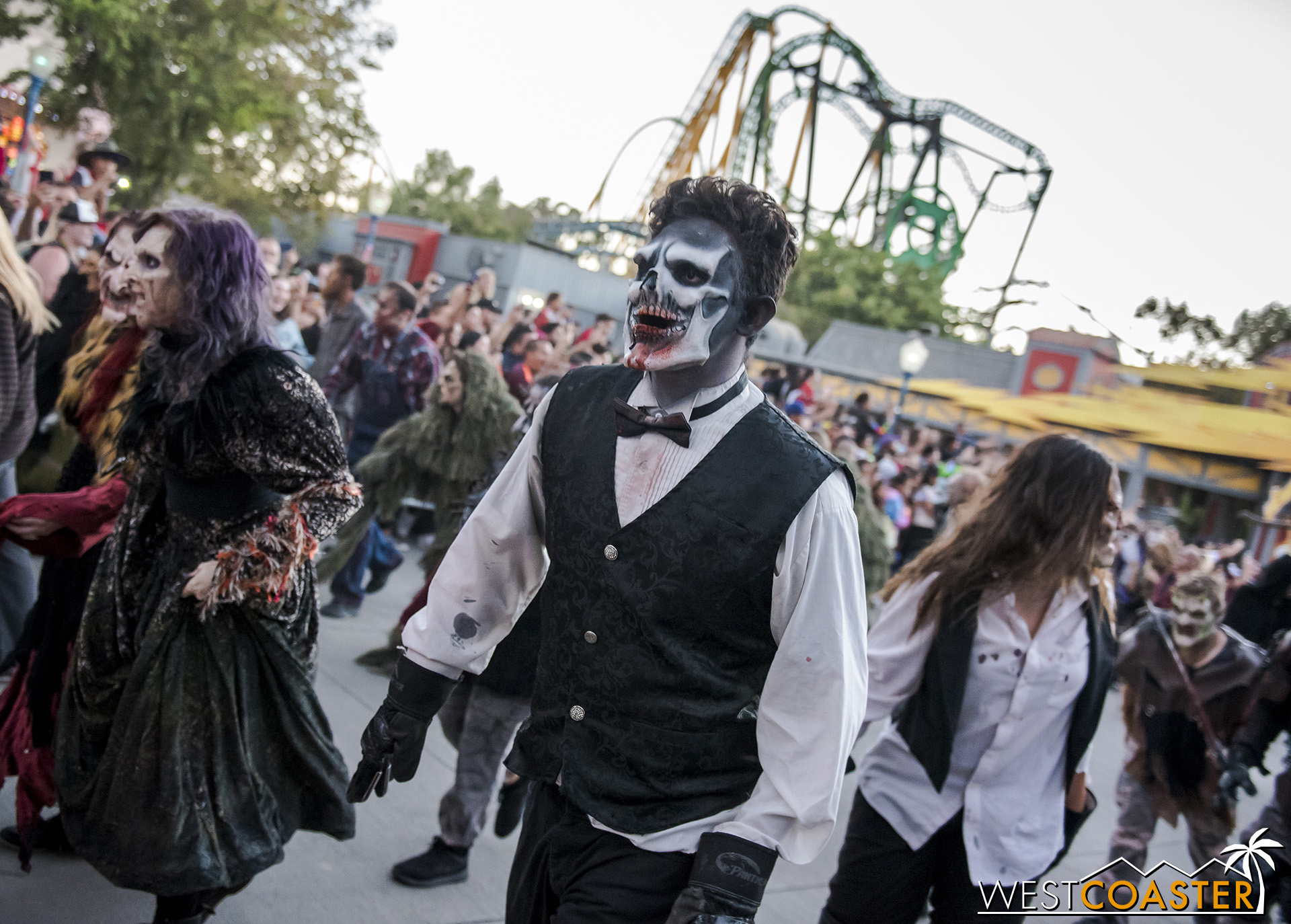 Much as they will at the end of the night, monsters of different scare zones start off together as they emerge.