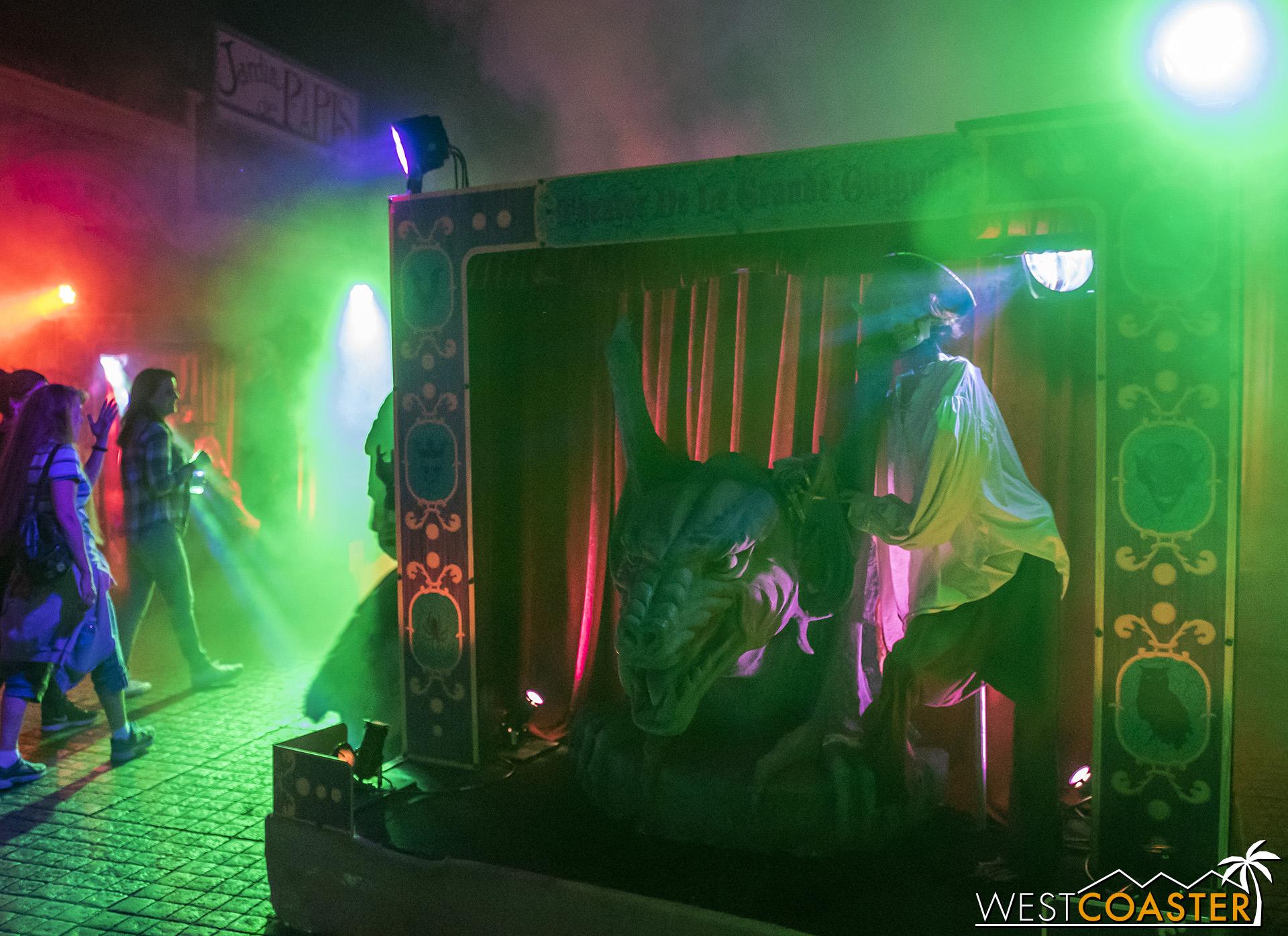 USHHHN-18_0922-D-MonsterMasquerade-0001.jpg