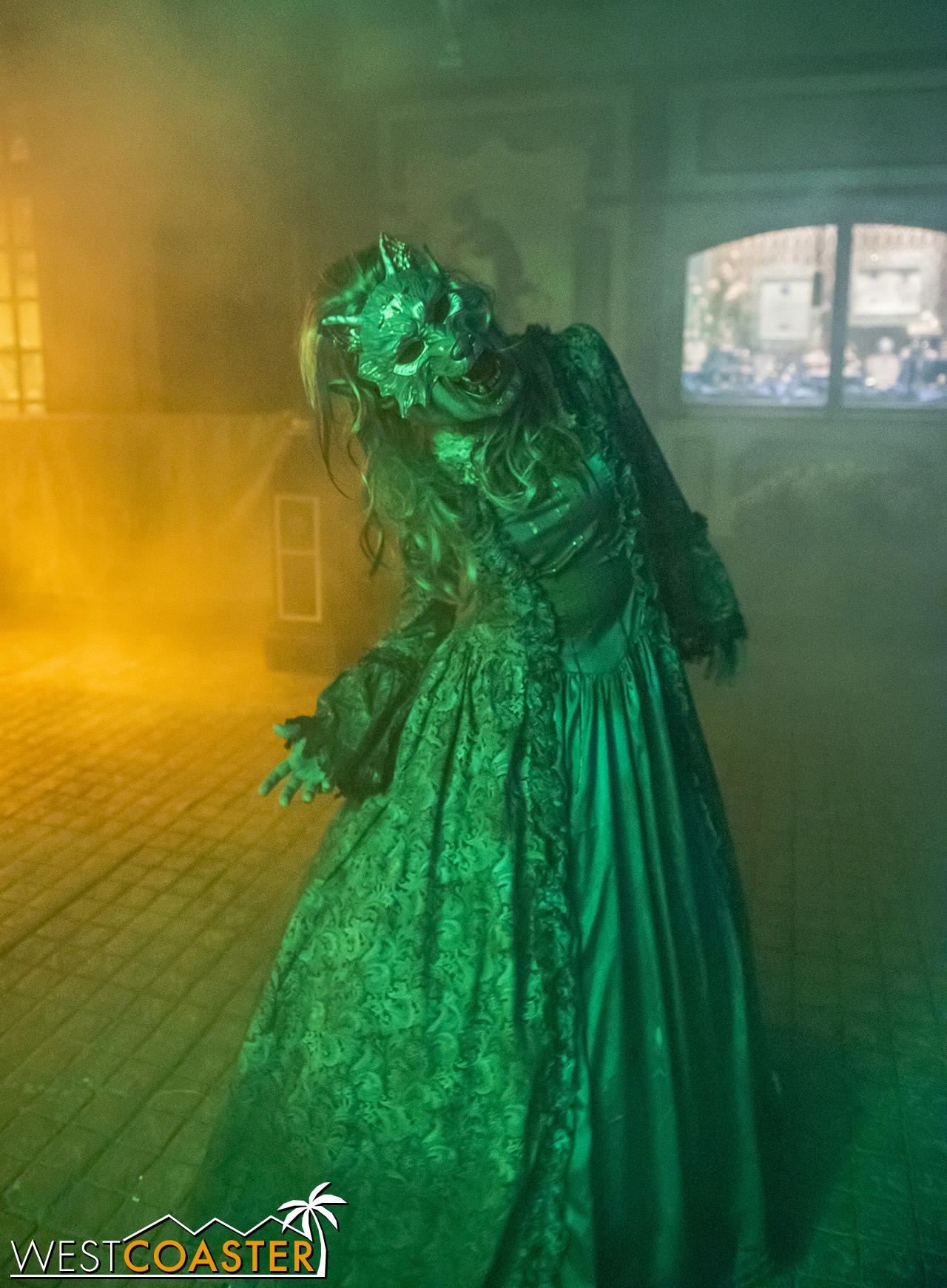 USHHHN-18_0922-D-MonsterMasquerade-0003.jpg