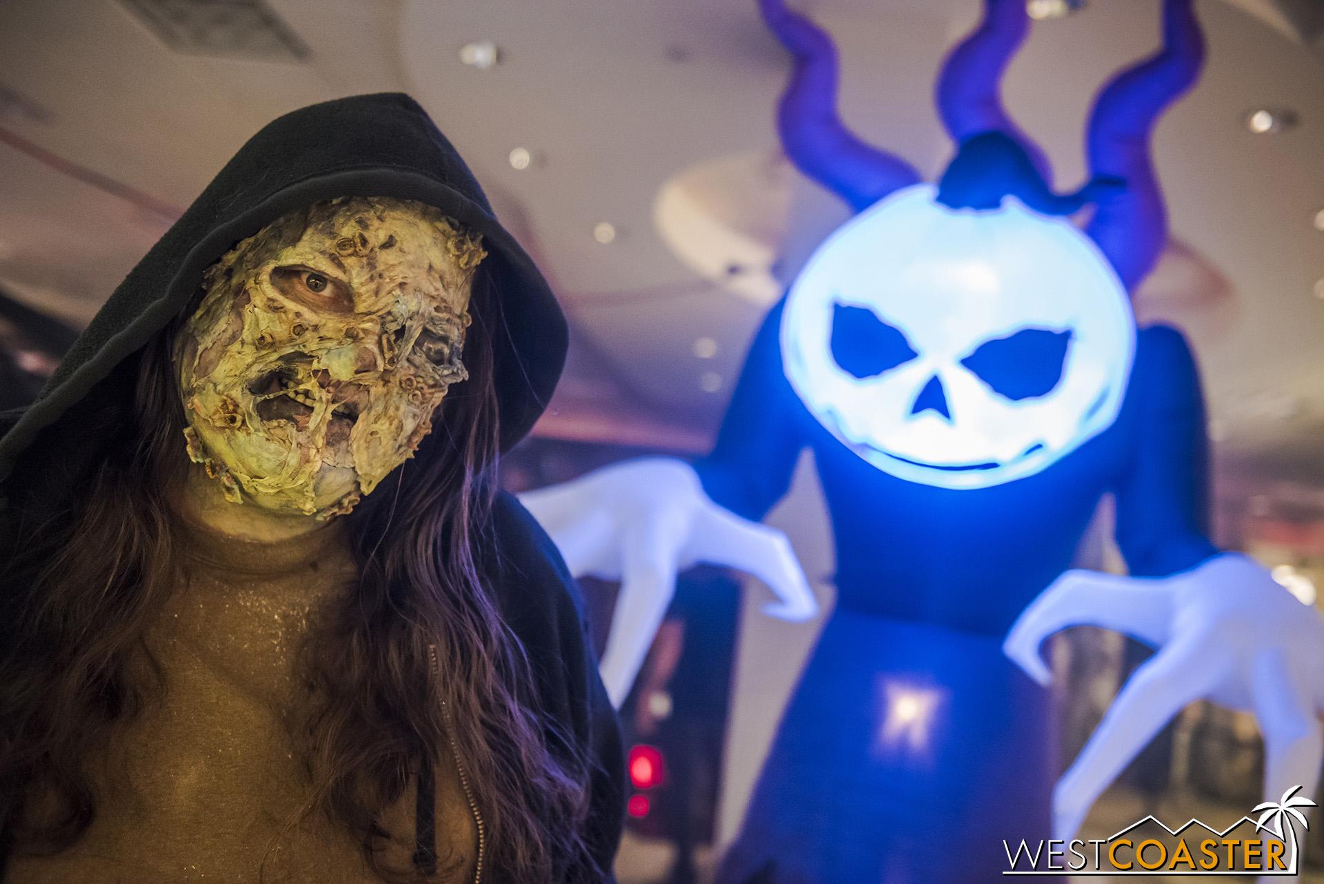 HorrorWorld-18_1017-A-Marketplace-0005.jpg
