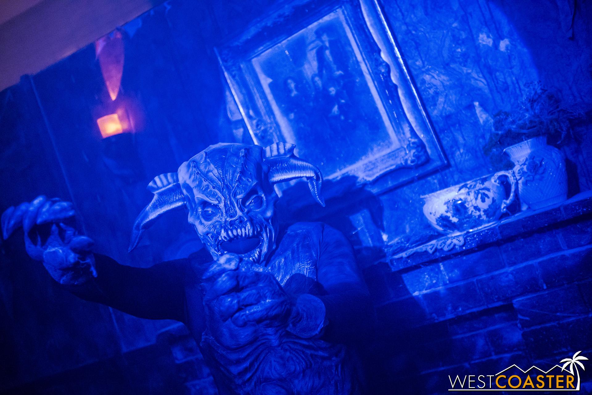 HorrorWorld-18_1017-B-IntoTheBlack-0002.jpg