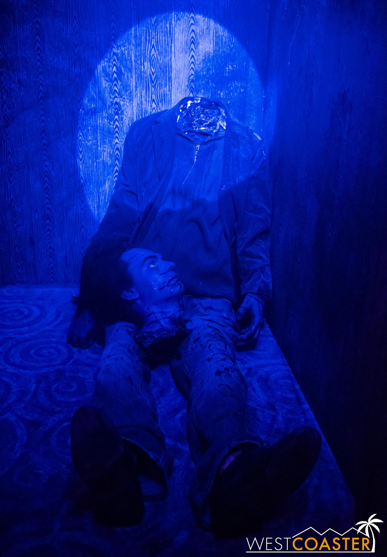 HorrorWorld-18_1017-B-IntoTheBlack-0003.jpg