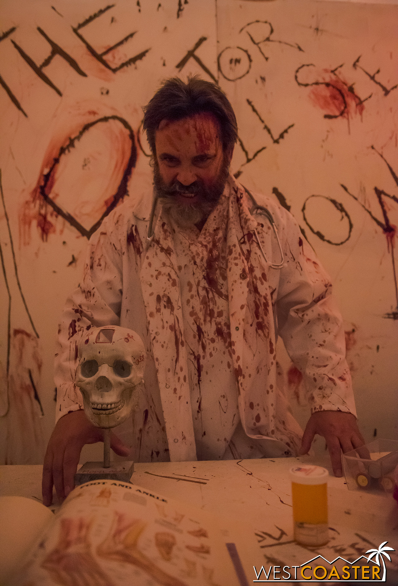HorrorWorld-18_1017-C-PsychoSanitarium-0004.jpg