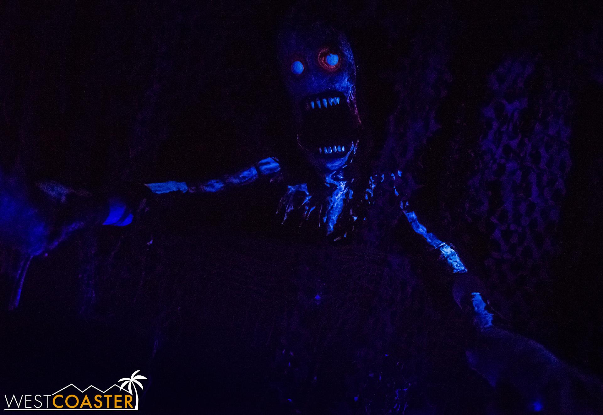 SpookyHollows-18_1031-0017.jpg