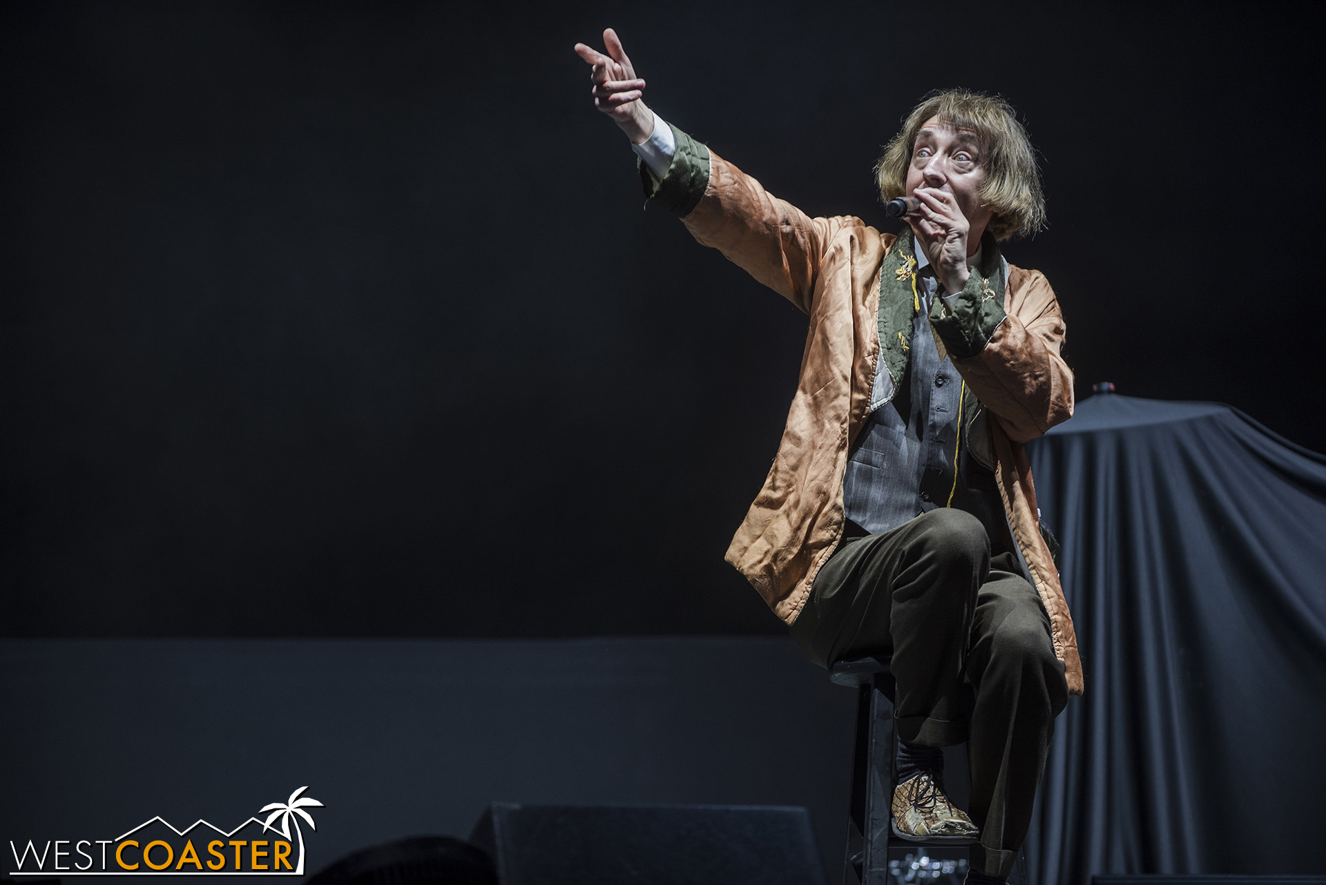 Emo Philips' dark, misdirectional, occasionally absurdist humor was a highlight of Saturday.