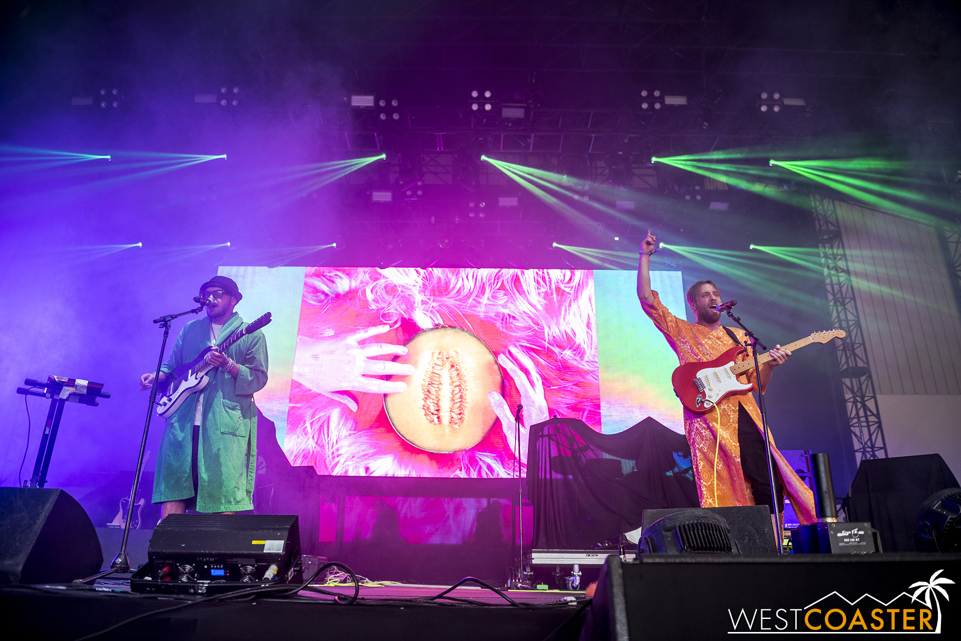 L.A.-based NVDES kicked off the main music line-up on Saturday with an Indietronic dance set.