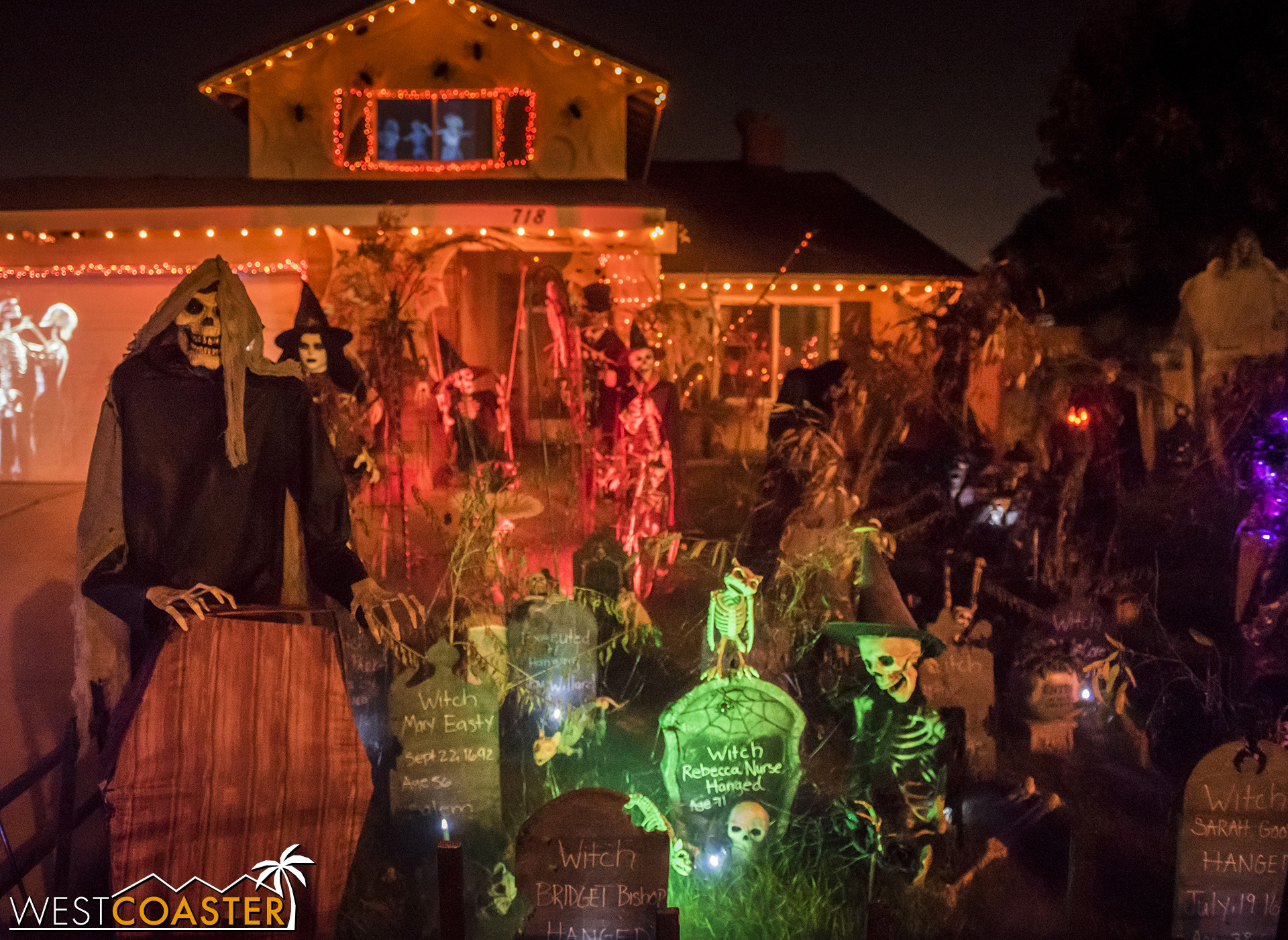The Haunt on Hibiscus features a plethora of Halloween theming, just on its front lawn!