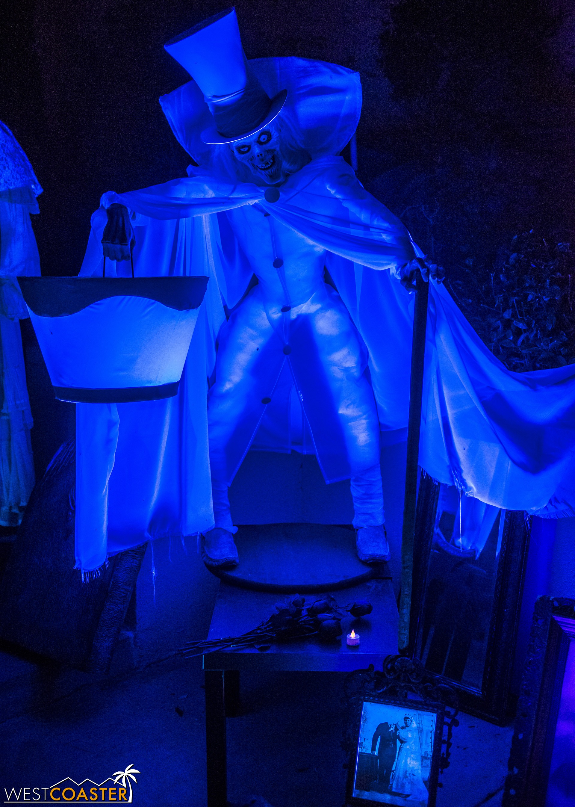 The last time Haunted Mansion Haunt was open, the Hatbox Ghost was still a legend of the past.  It has since rejoined the actual Disney attraction, but this home haunt version is pretty cool too.