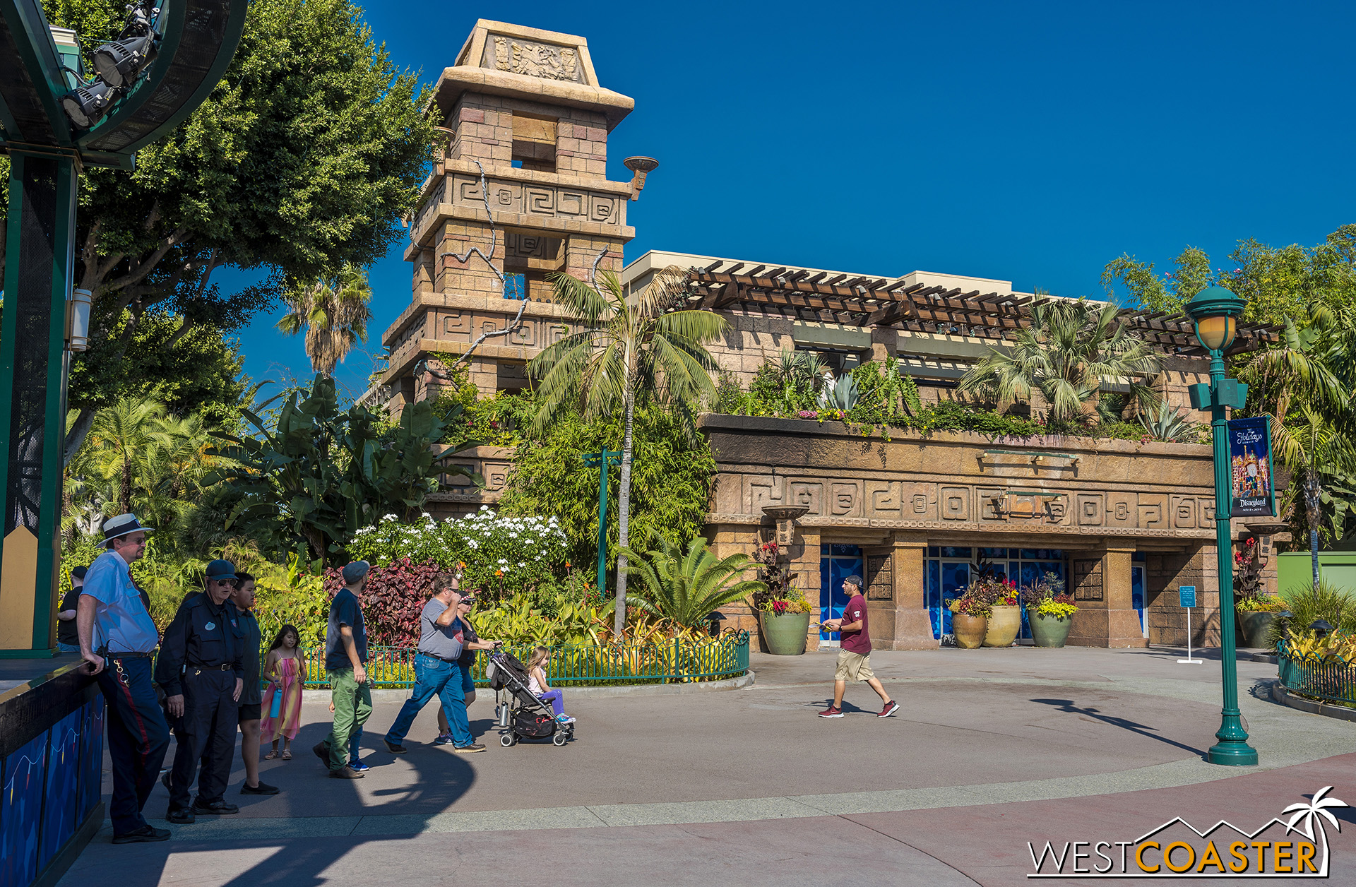 The empty Rainforest Cafe has expressed interest in returning to its old location.