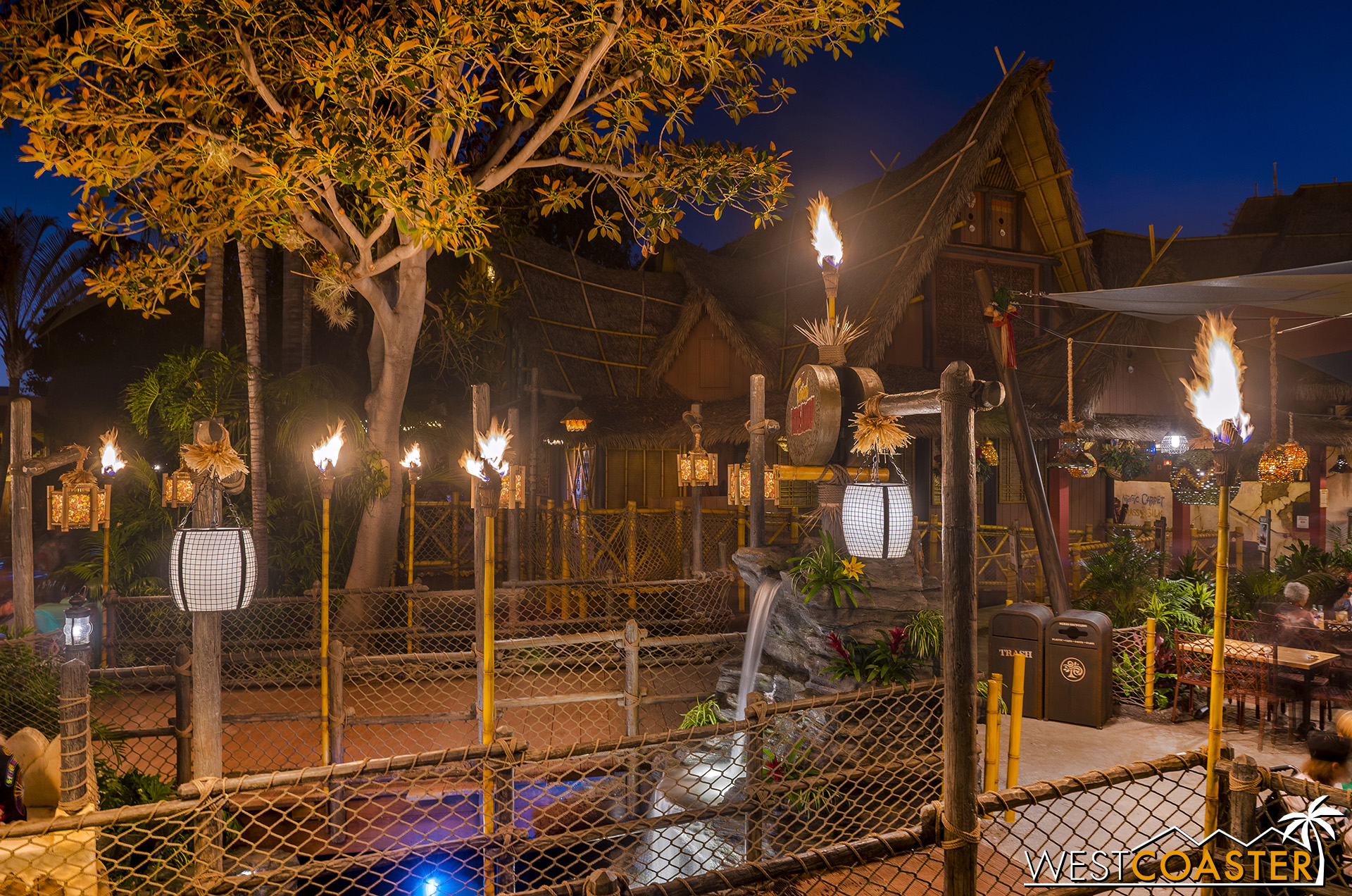 The Enchanted Tiki Room flanks one side of the Tropical Hideaway.