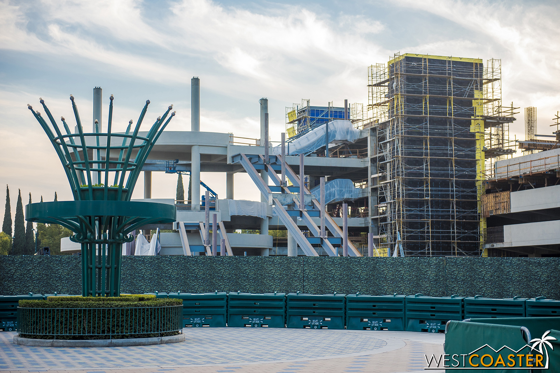 Here's the escalator promenade from the ground level.