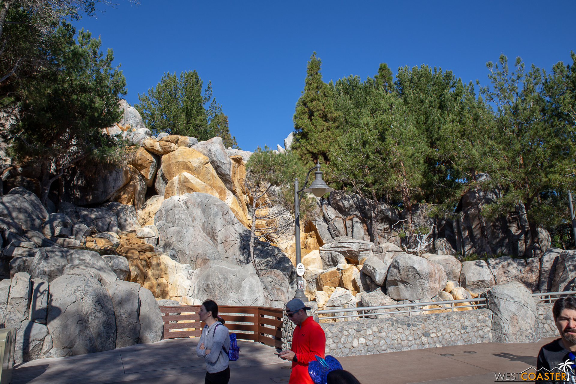 Westcoaster Disneyland Update 2-19-68.jpg