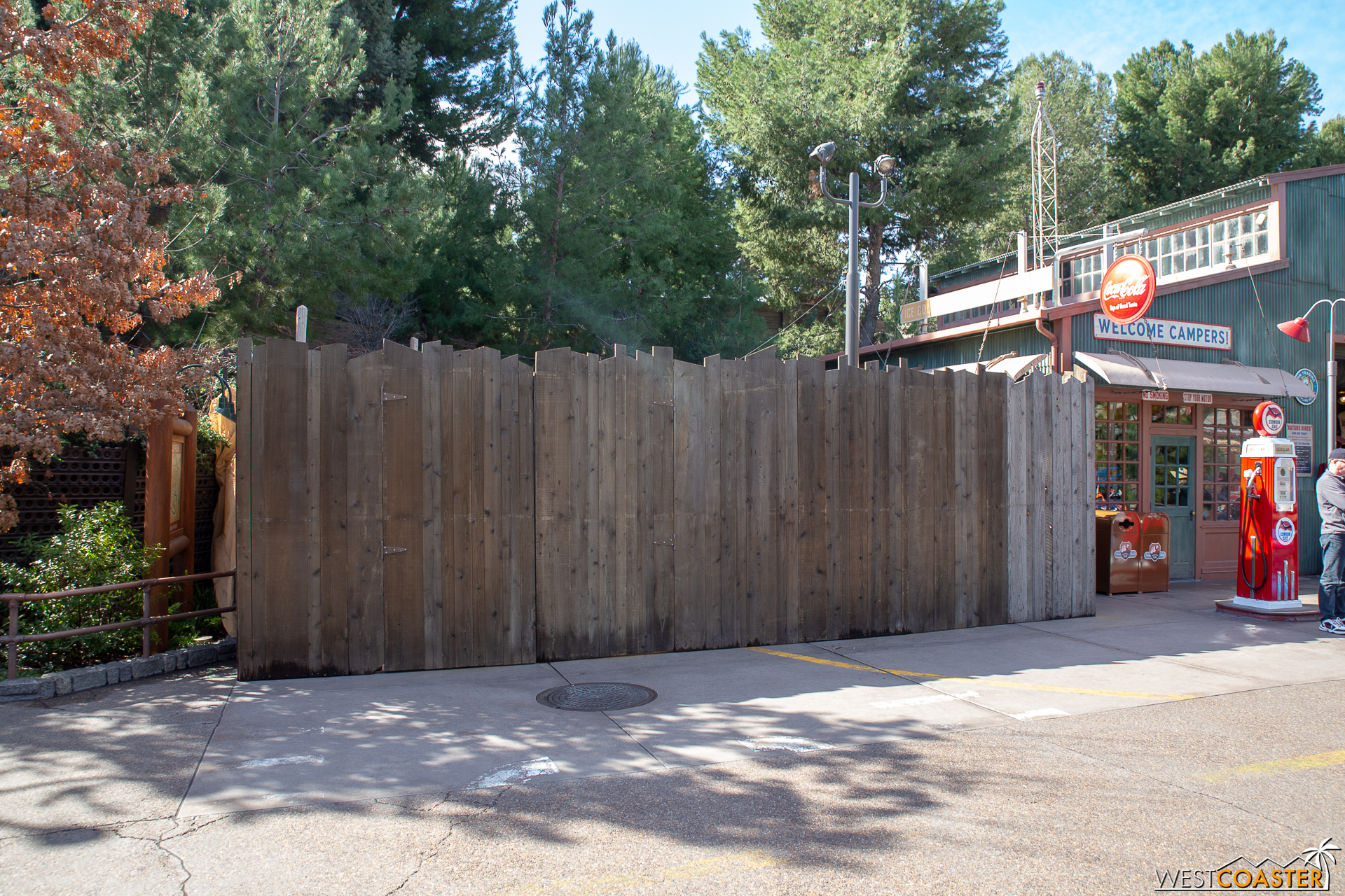 The little car by the gas station in Grizzly Peak is behind walls.