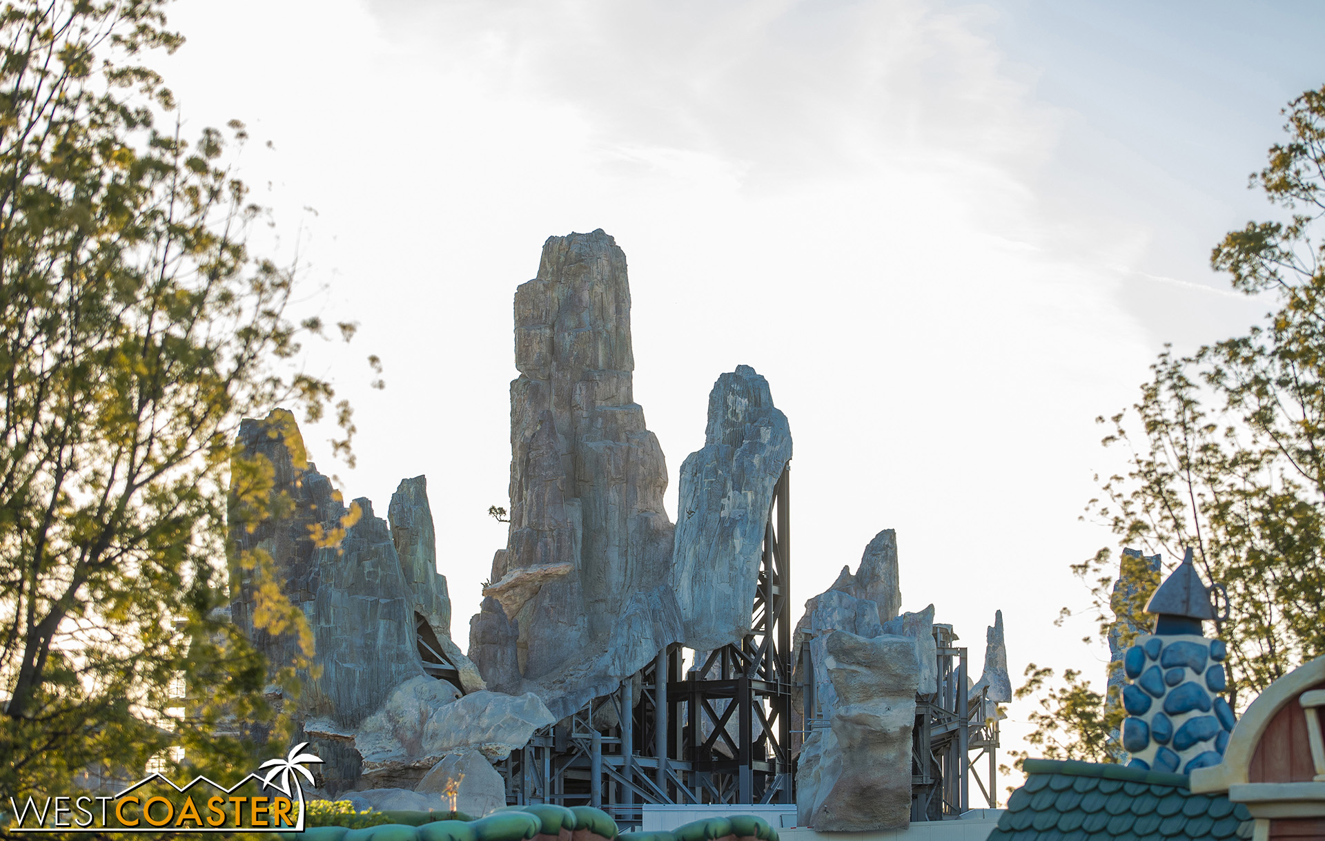 The ride vehicles for the main part of Rise of the Resistance will be trackless and radio-controlled, similar to Tokyo Disneyland's Pooh's Hunny Hunt or Walt Disney Studio's Ratatouille ride.