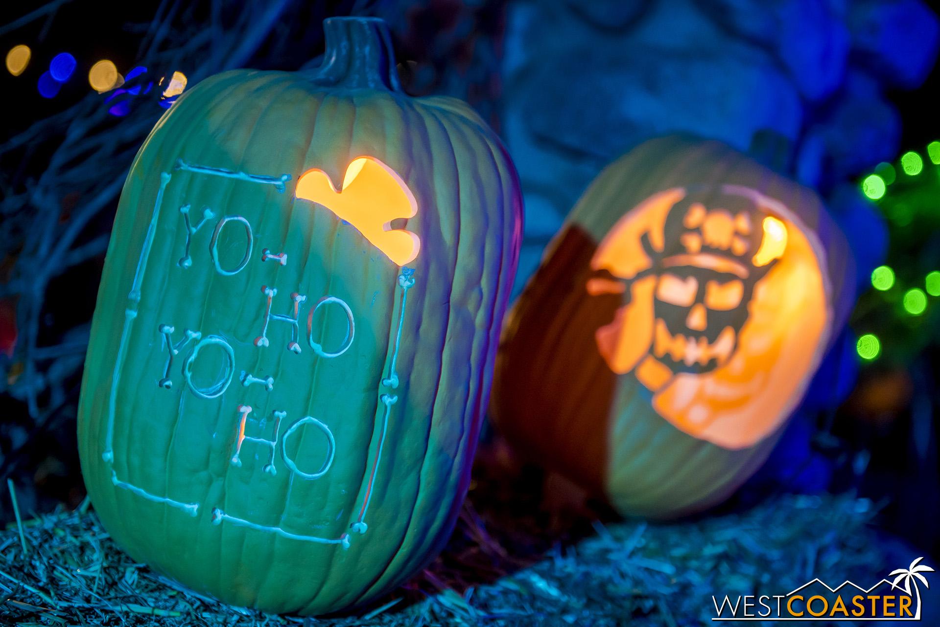 PumpkinNights-19_0308-C-PumpkinWalk-0024.jpg
