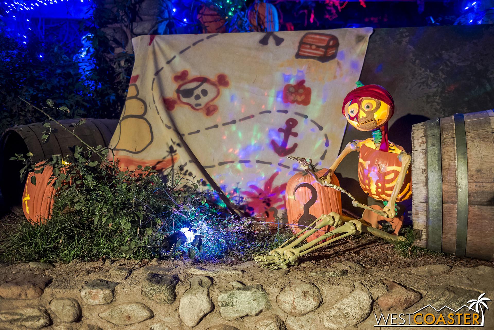 PumpkinNights-19_0308-C-PumpkinWalk-0026.jpg