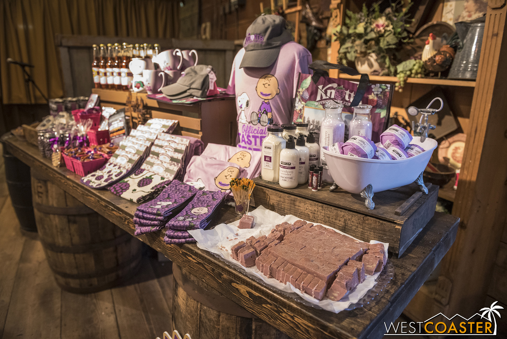 Yes, that's boysenberry fudge in front.  There are also boysenberry soaps and lotions too, for all the boysenberry fanatics out there!