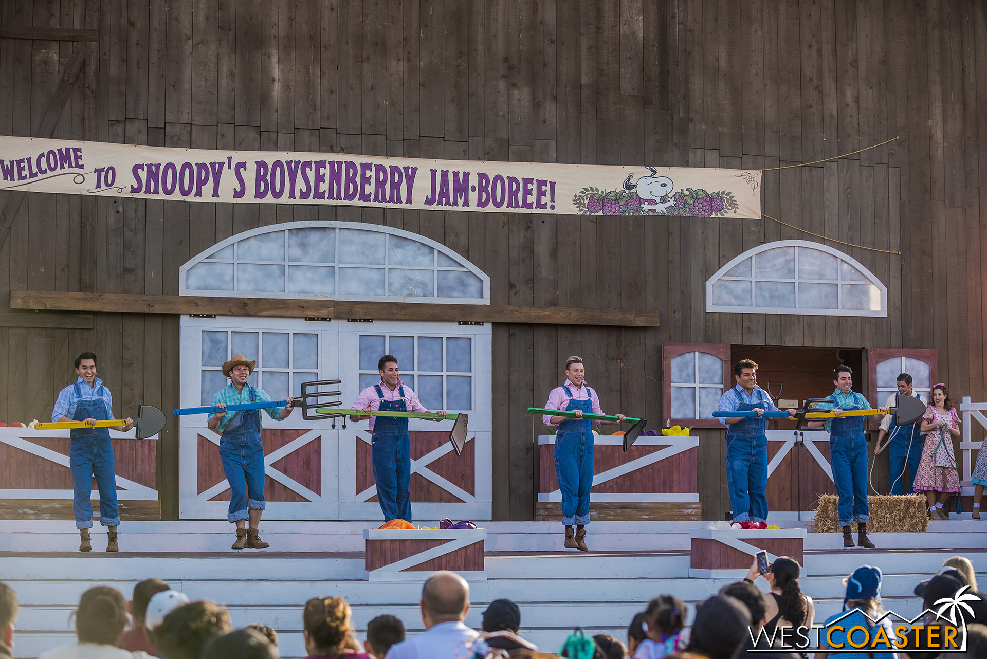 KBF-19_0404-F-Entertainment-SnoopyJamboree-0004.jpg