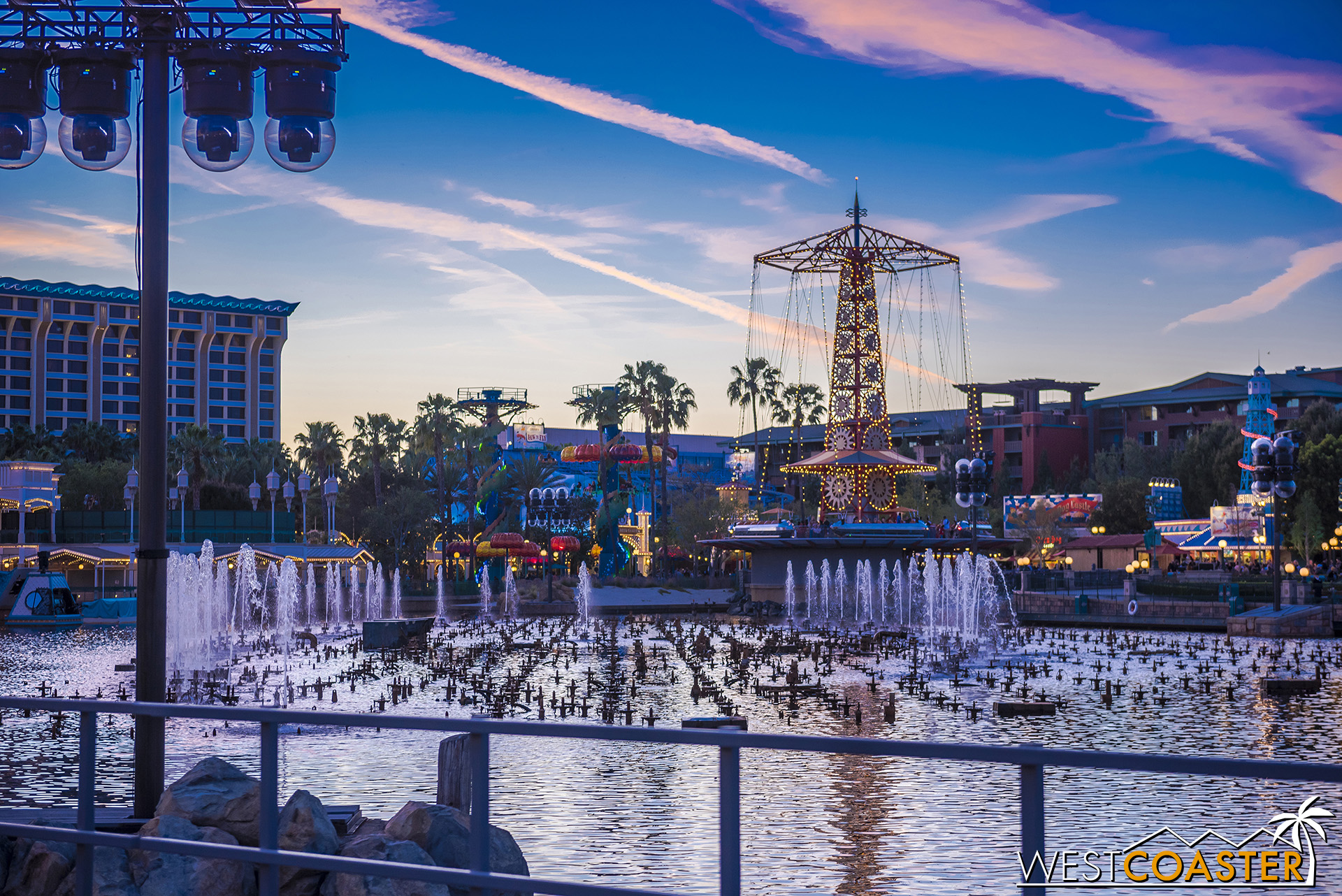 Anyway, the World of Color fountains have been fixed since they went down last year.