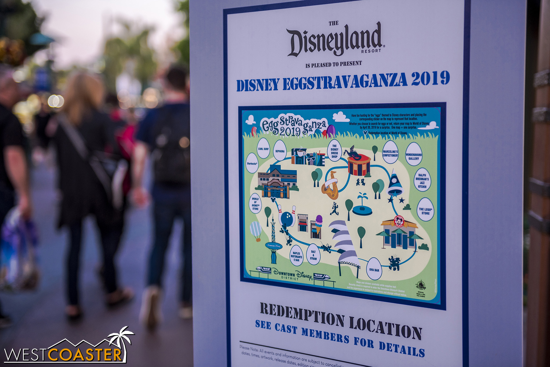 Easter time means the Disney parks scavenger hunt is back.  This is a pretty cool and fun family activity!