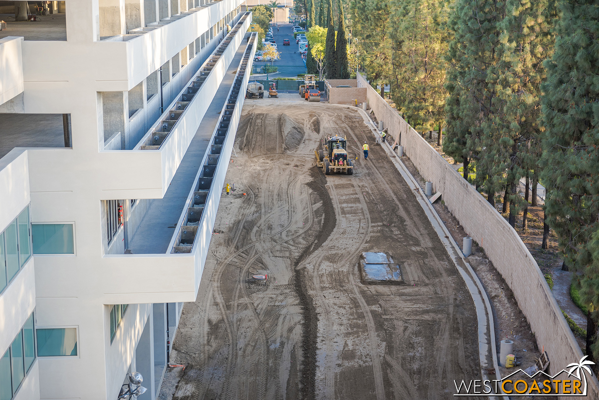 It seems that the terraced planters will make an appearance on this side of parking structure for the expansion too, just like they do now.