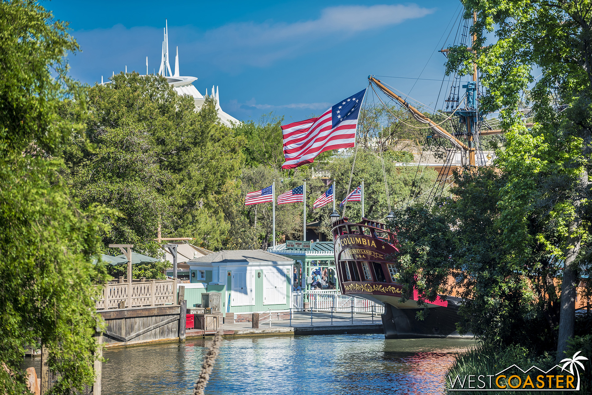 Also, a side note.  When the Disney community found out that the Rivers of America were going to be shortened to make some room for Galaxy's Edge, the sensationalists practically tried to start a rebellion with their outrage.  This would ruin the Rivers of America!   They were cutting it by 1/3 or even in half!  Well, they ended up lopping off more like a quarter of the route, and it still looks great.  But every once in a while, the ship loading backs up, and then you actually do notice that the trip is shorter than it used to be…