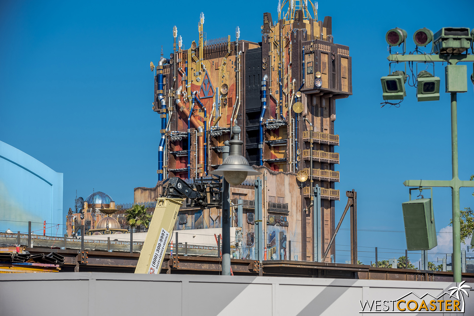 The steel work stretches toward Hollywood Land and turns the corner too.