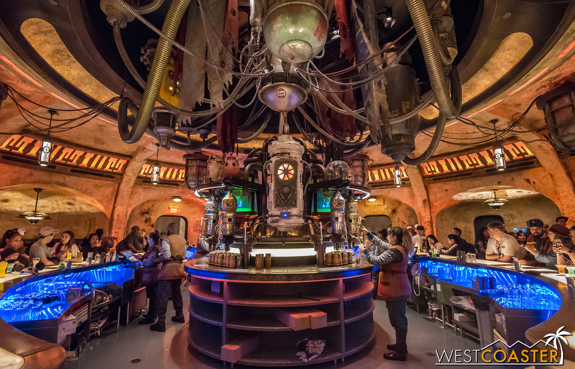 The scene at Oga's Cantina is lively and bustling, though you never know the types of characters you might bump into!