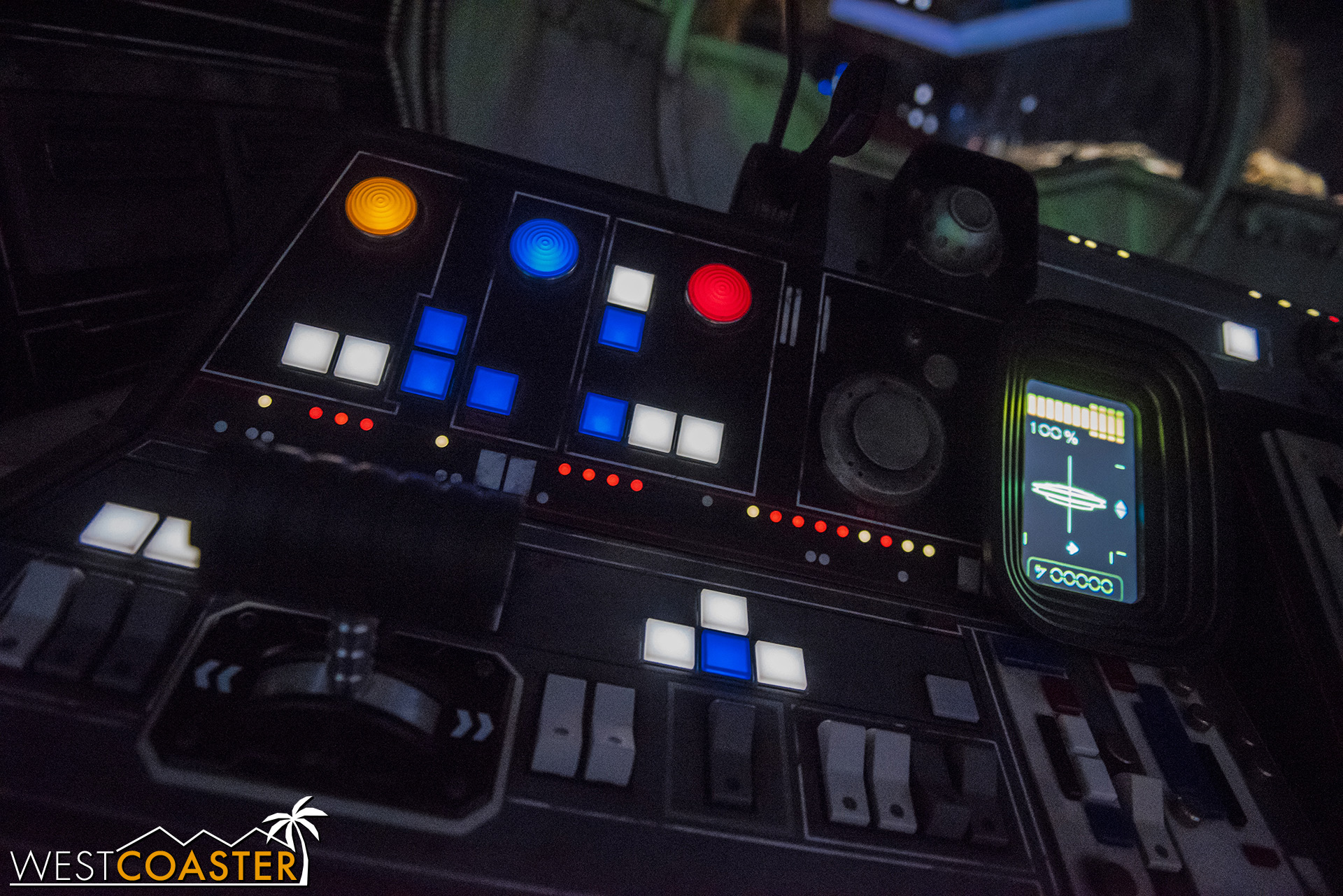 DLR-19_0606-D-Cockpit-0001.jpg