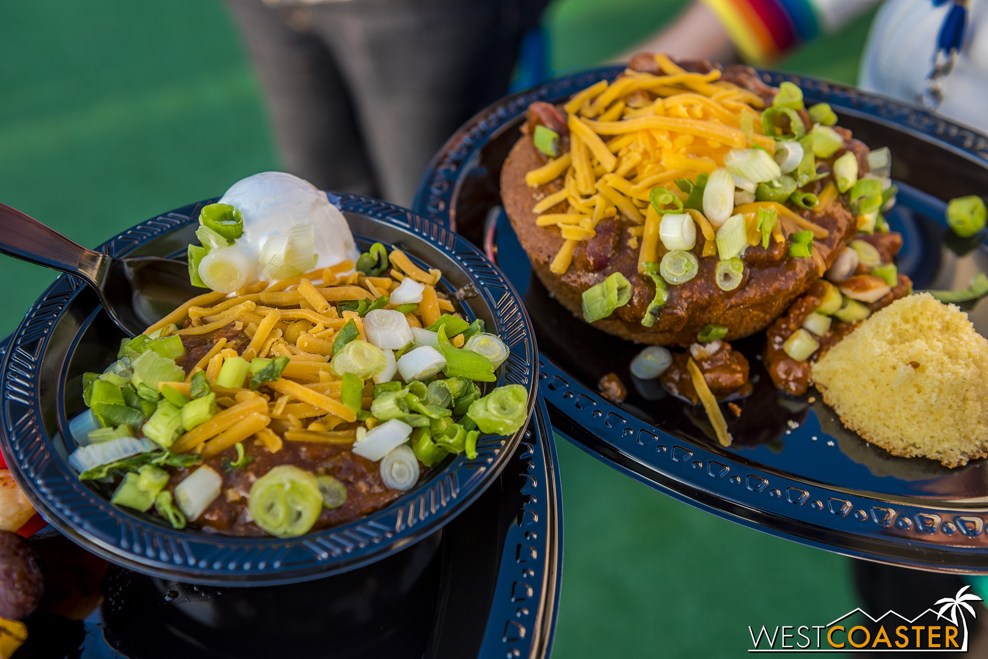 Chili over cornbread bowls or Fritos were very tasty too.  Another high recommendation.