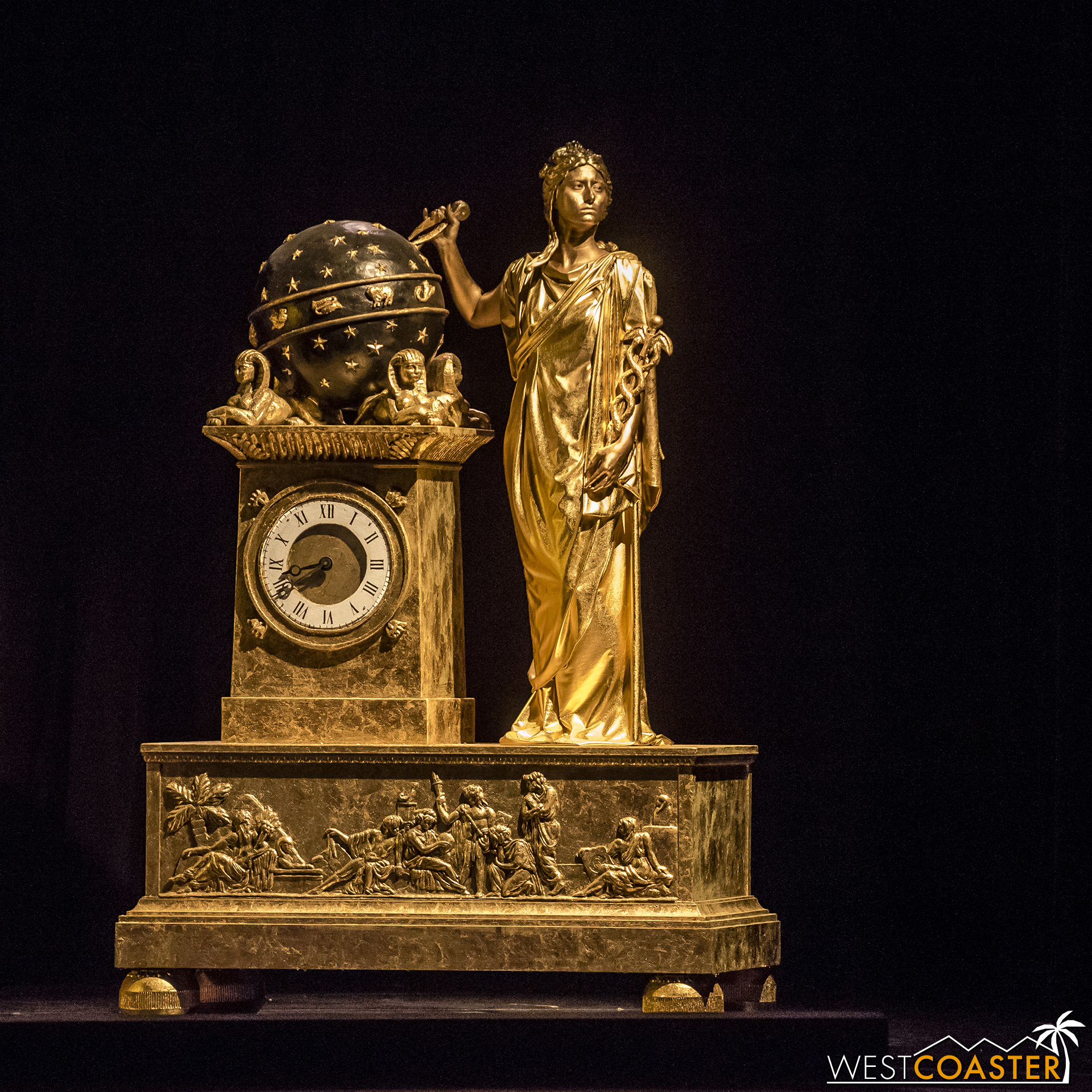 The sculptures are brought to life in vivid elegance.