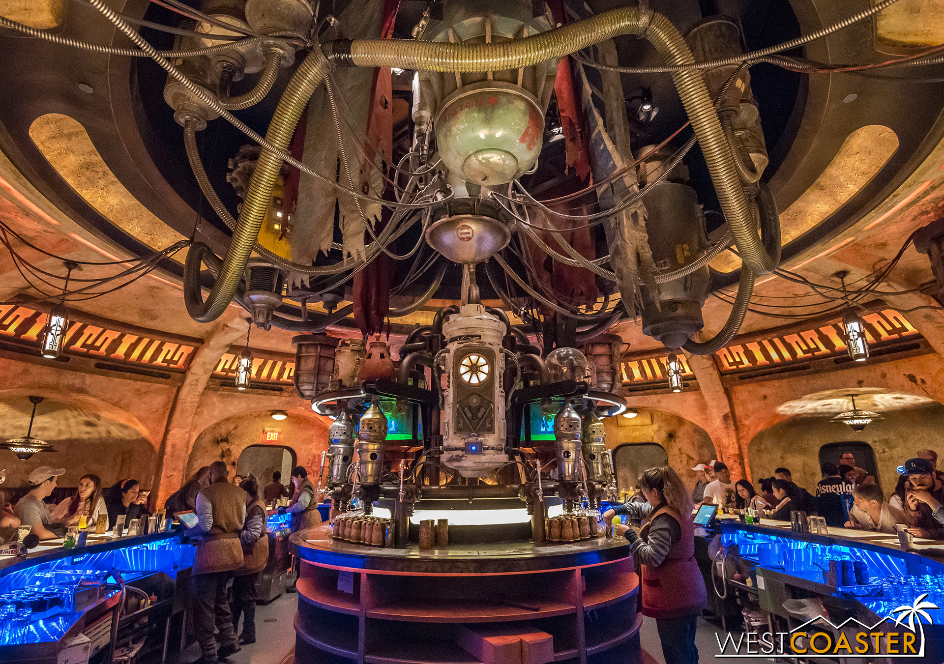 The interior of Oga's Cantina is pretty stunning.