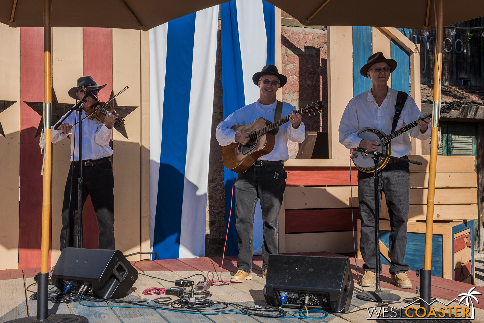There's live music once again for the Hoedown.