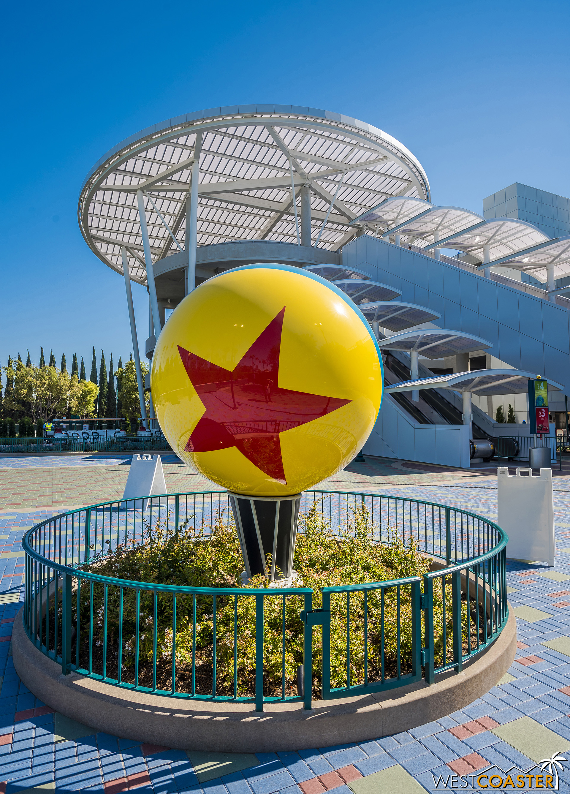 Welcome to the Pixar Pals parking structure! The Pixar Ball reinforces that it's Pixar.