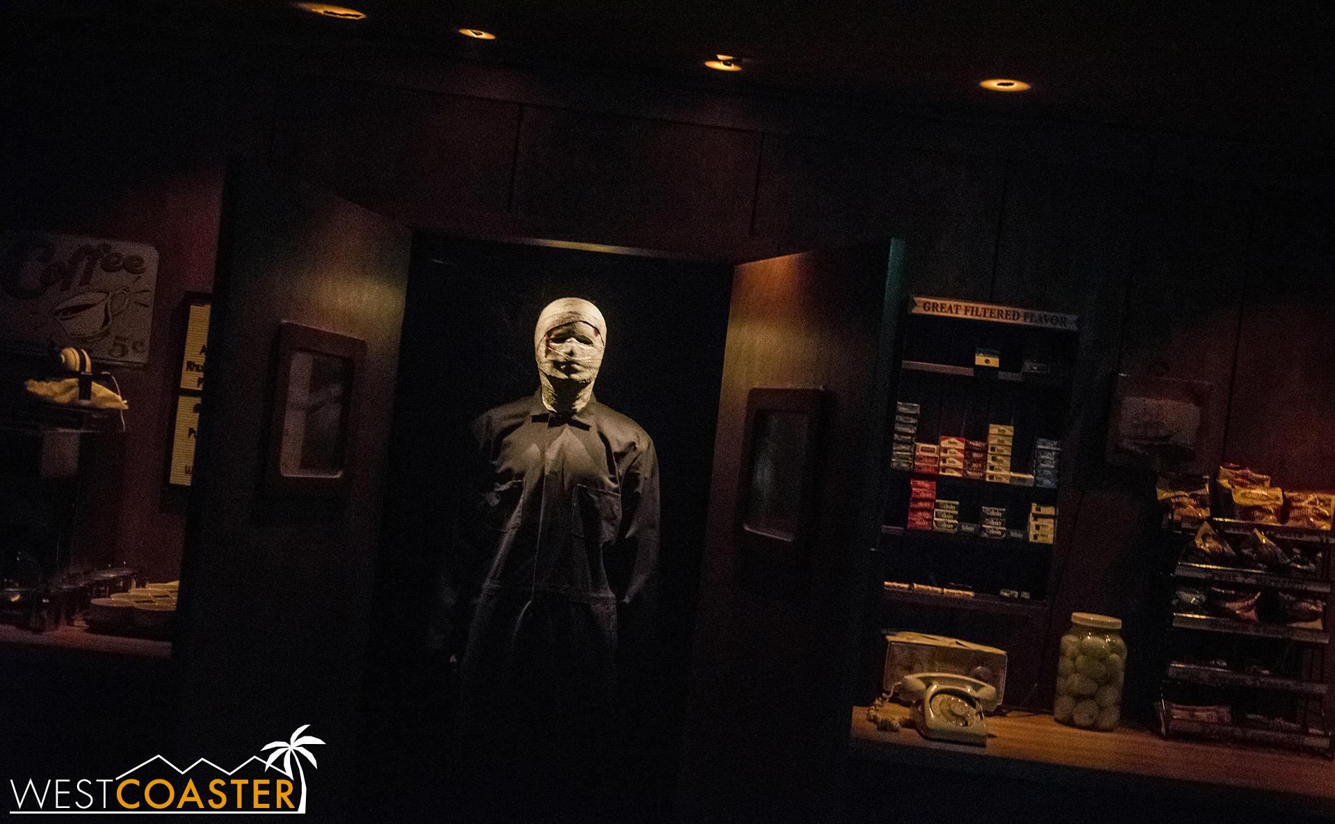USHHHN-19_0726-M1-Halloween4-0004.jpg
