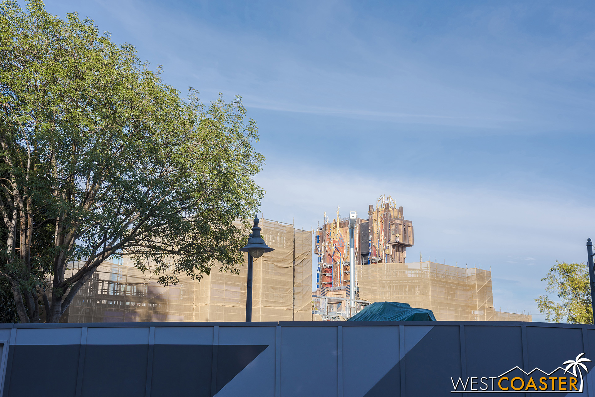 The new Spiderman ride building is doing its best to sort of blend in with Guardians of the Galaxy beyond.
