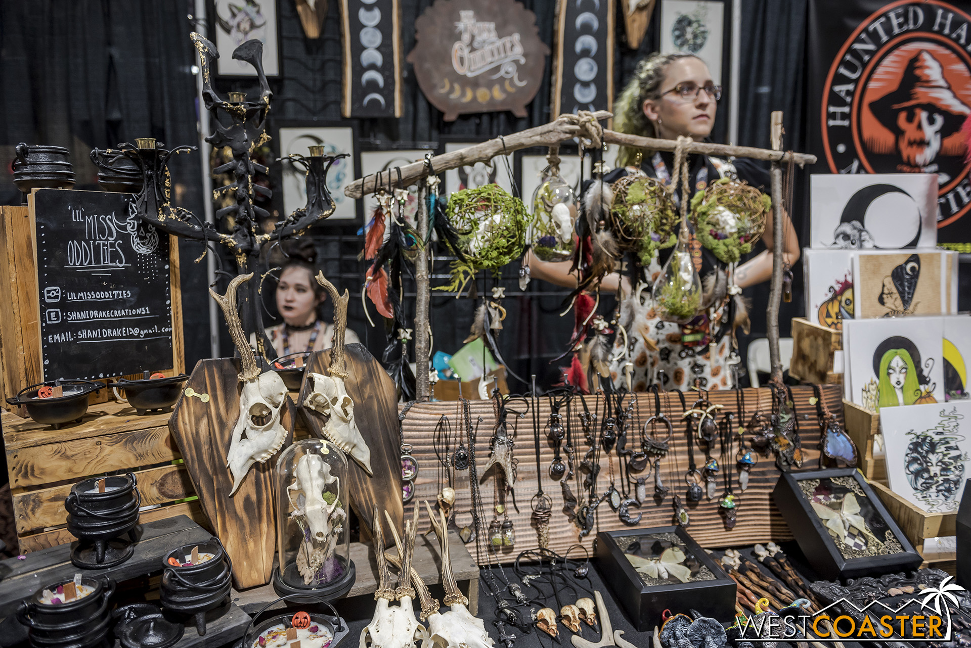 Lil Miss Oddities   is one of many homemade gothic craft merchants making some really creative and cool pieces of jewelry, home furnishings, and art pieces.