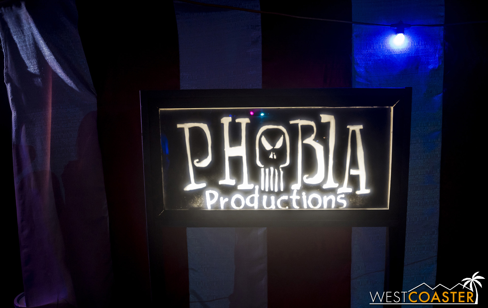 MSS-19_0809-15-PhobiaProductions-DieLaughing-0001.jpg