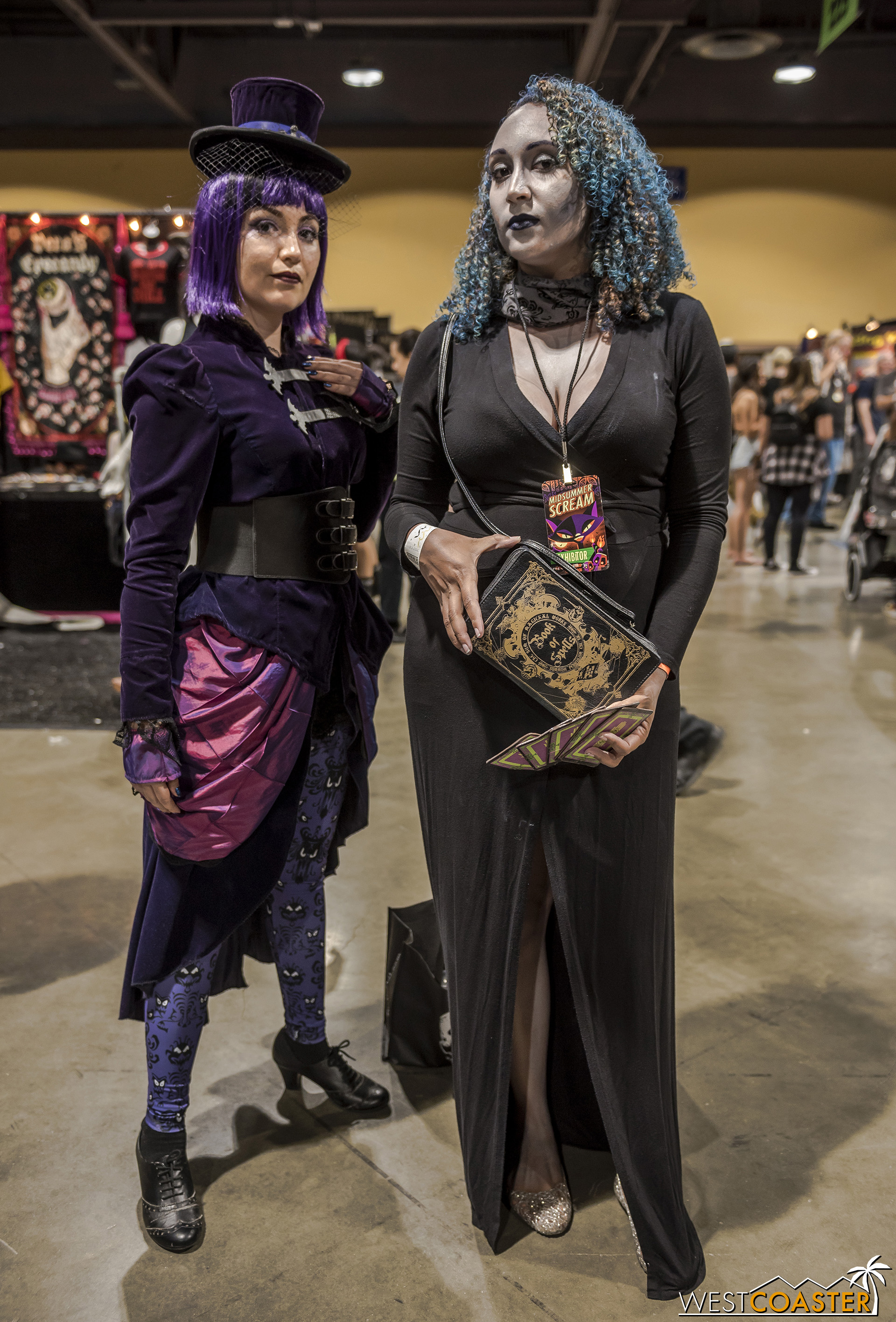 These two ladies paid tribute to the Haunted Mansion with their outfits.